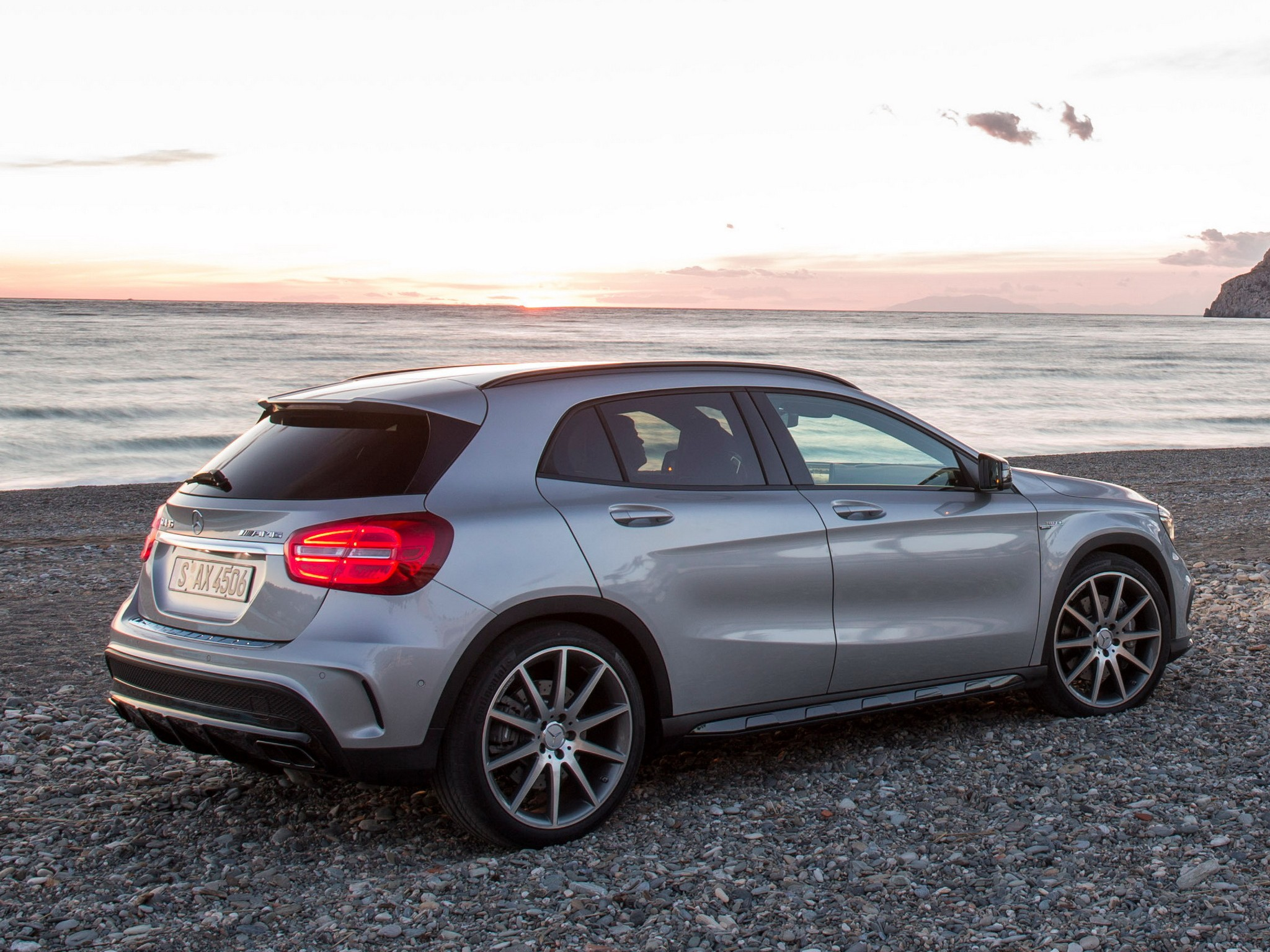 Mercedes benz gla 45 amg 4matic price in india for Mercedes benz gla india