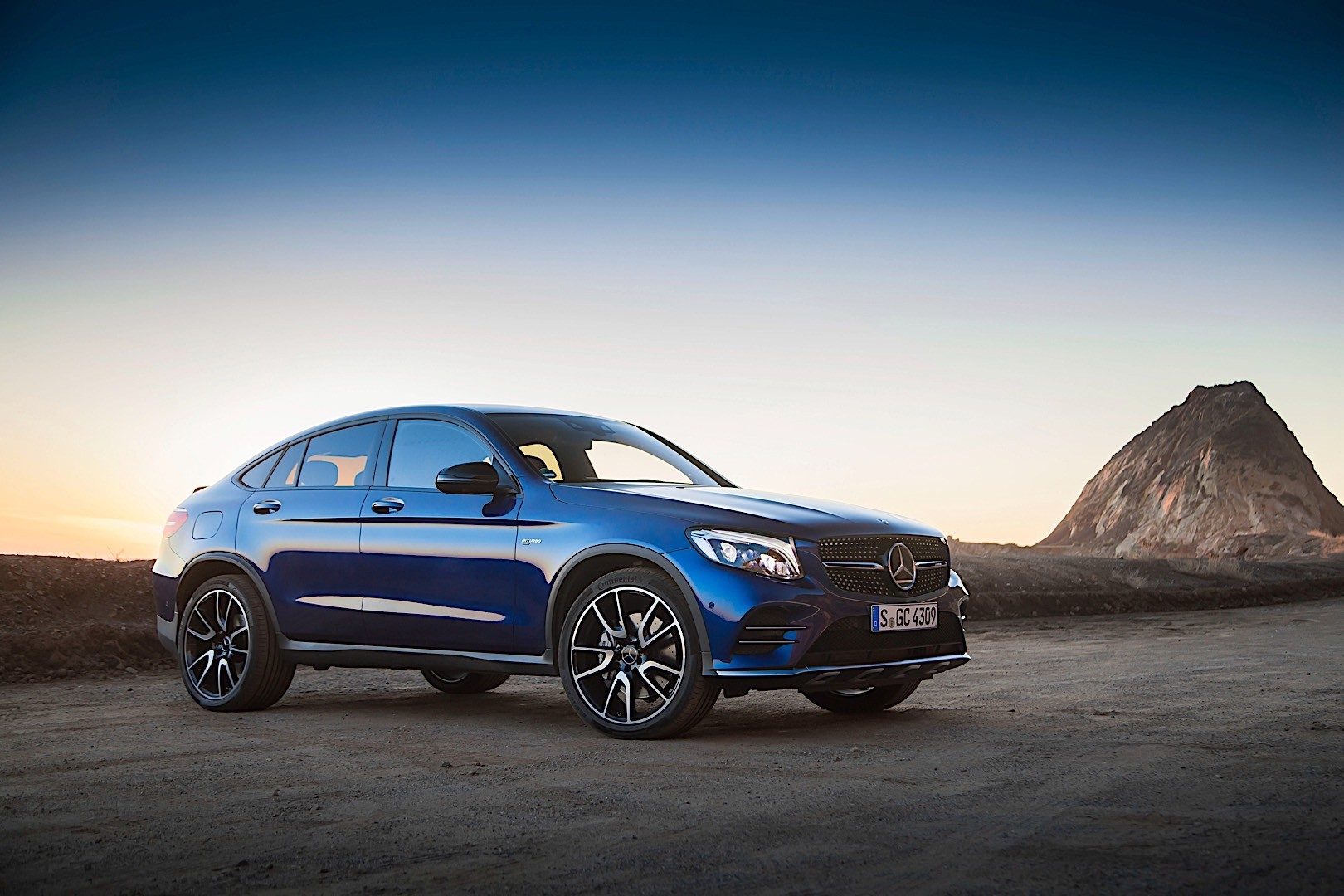 mercedes amg glc 43 coupe c253 specs photos 2016 2017 2018 autoevolution. Black Bedroom Furniture Sets. Home Design Ideas