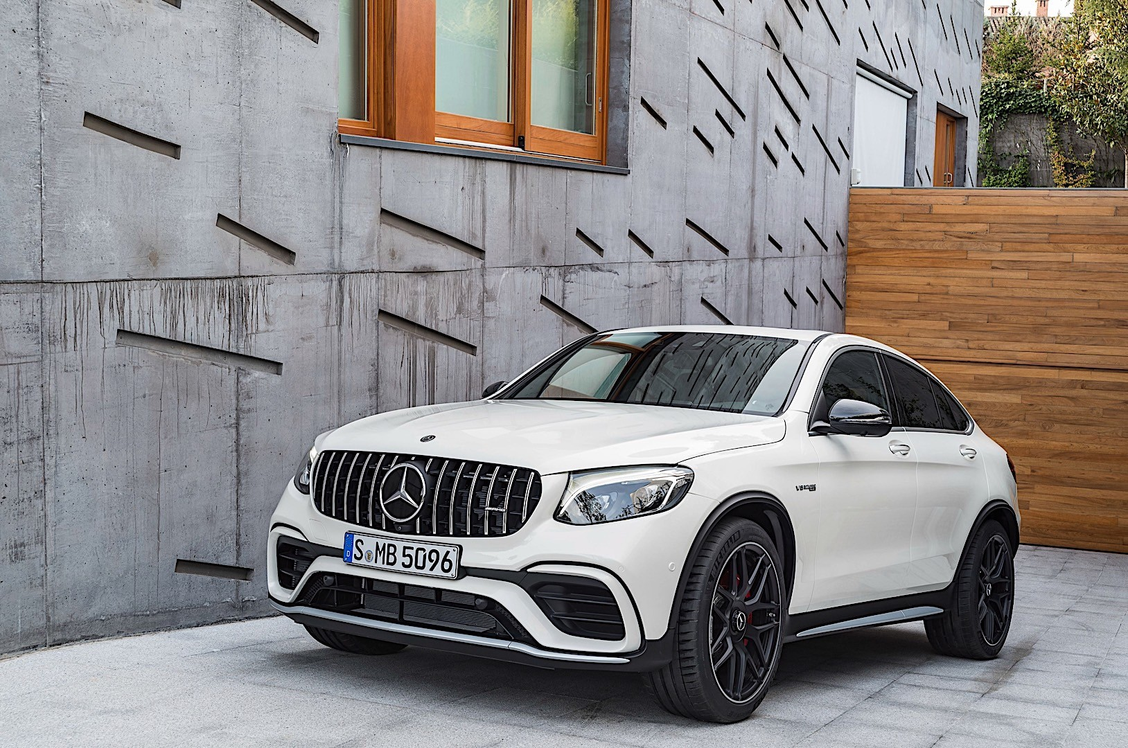 Mercedes amg glc 63 coupe c253 specs 2017 2018 for Mercedes benz glc coupe