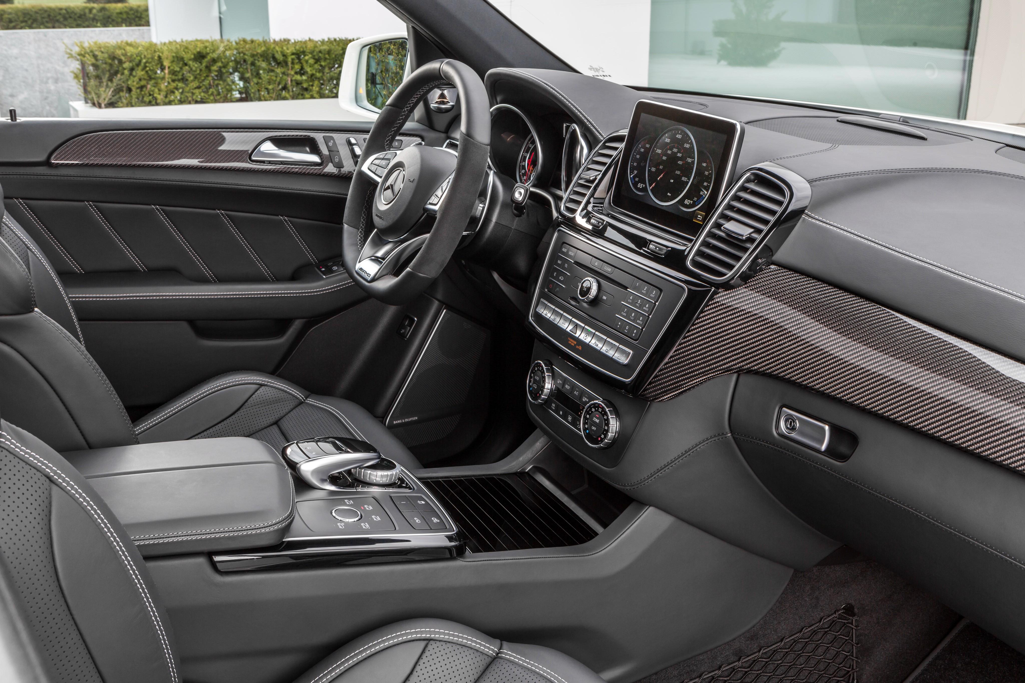 Mercedes benz gle w166 specs 2015 2016 2017 2018 for Interiores 2016