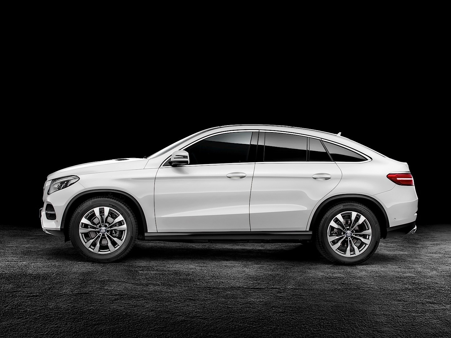 Mercedes Benz Gle Coupe 2015 2016 Autoevolution