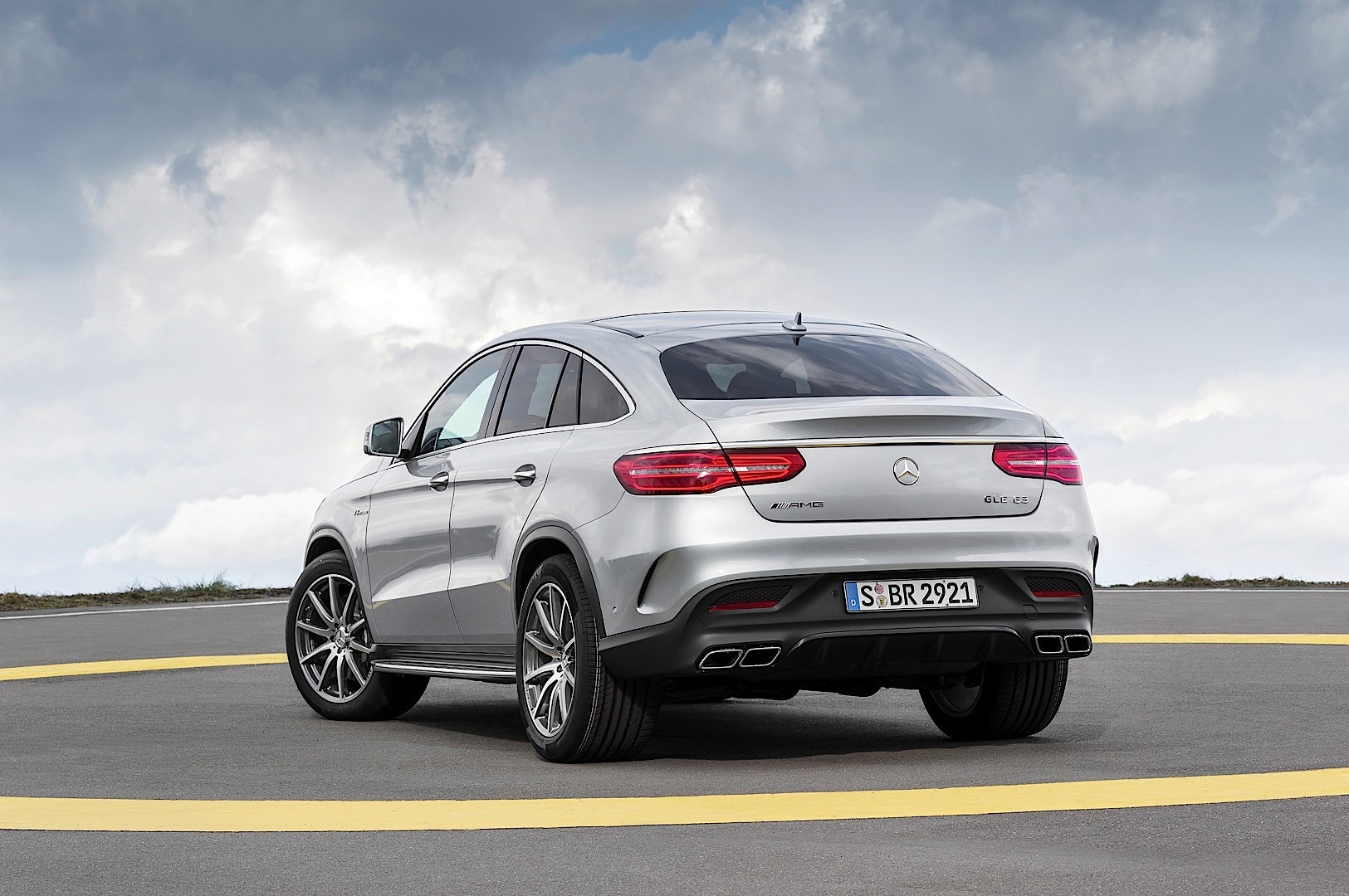 Mercedes amg gle coupe c292 specs 2015 2016 2017 for Mercedes benz amg suv price