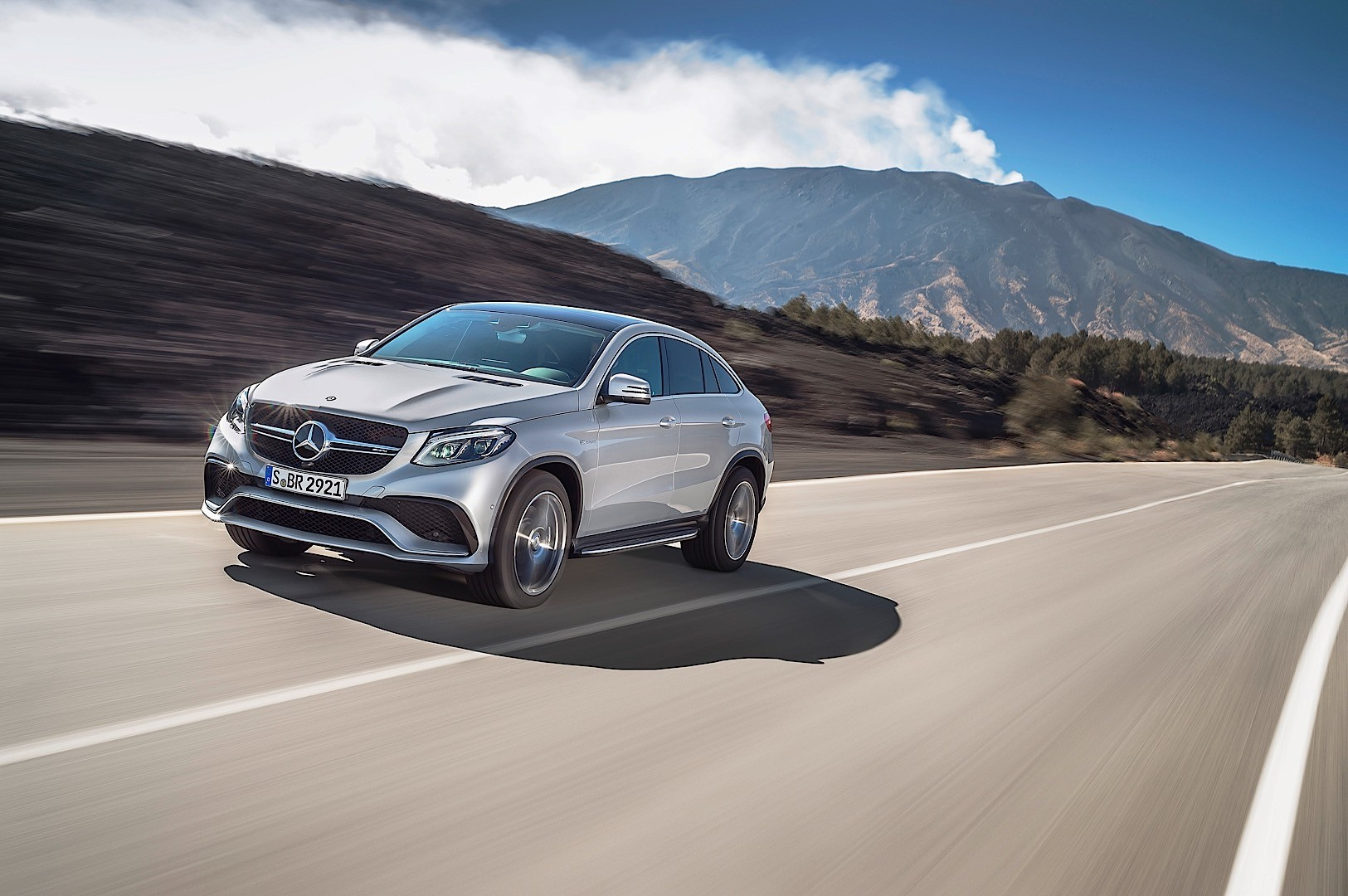 gle mercedes coupe amg benz gle63 c292 v8 carwitter hp unveils biturbo front coupe reveals road autoevolution release unleashed 4matic