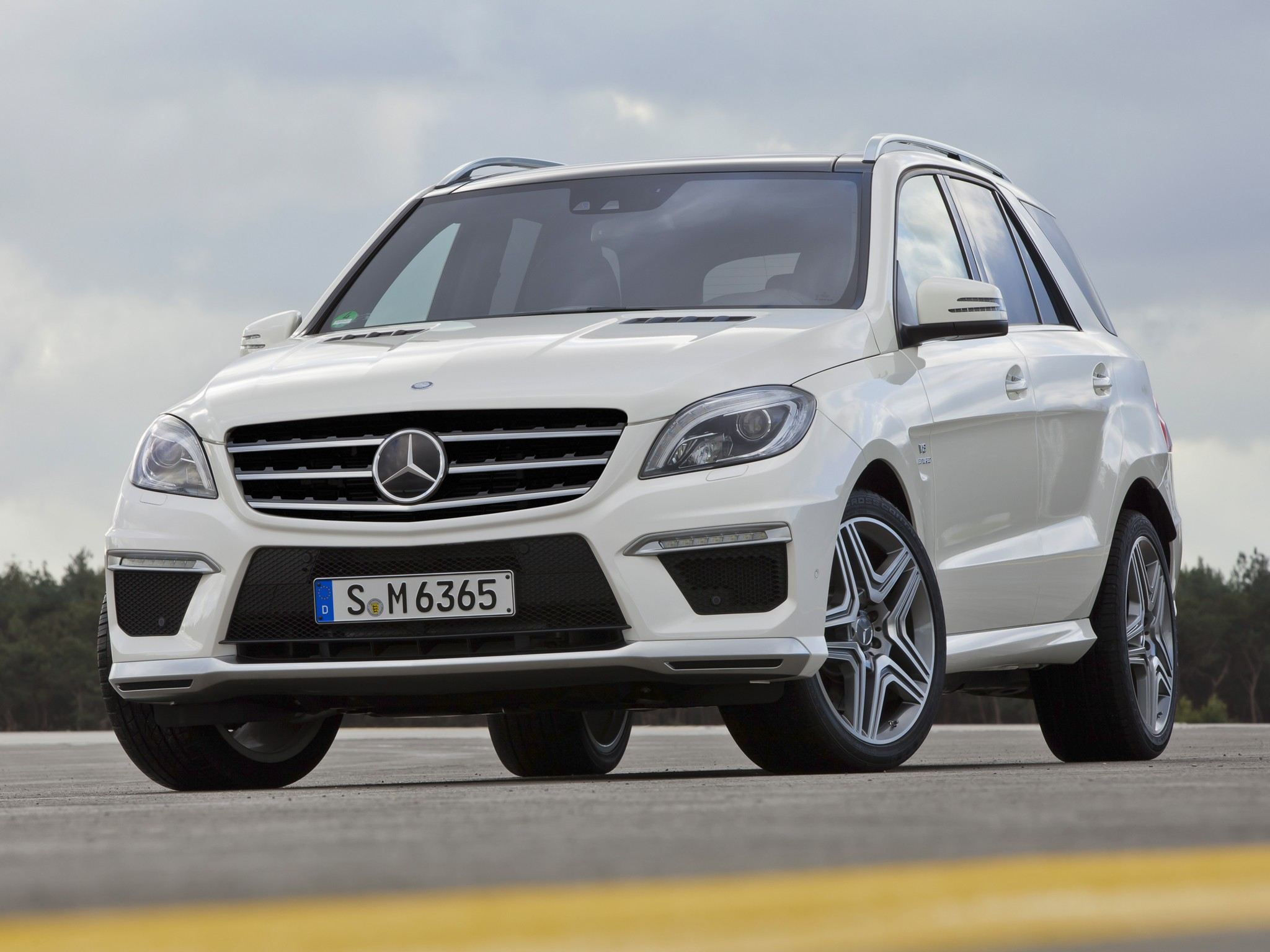 Mercedes benz ml 63 amg w166 specs 2011 2012 2013 for Mercedes benz mclass