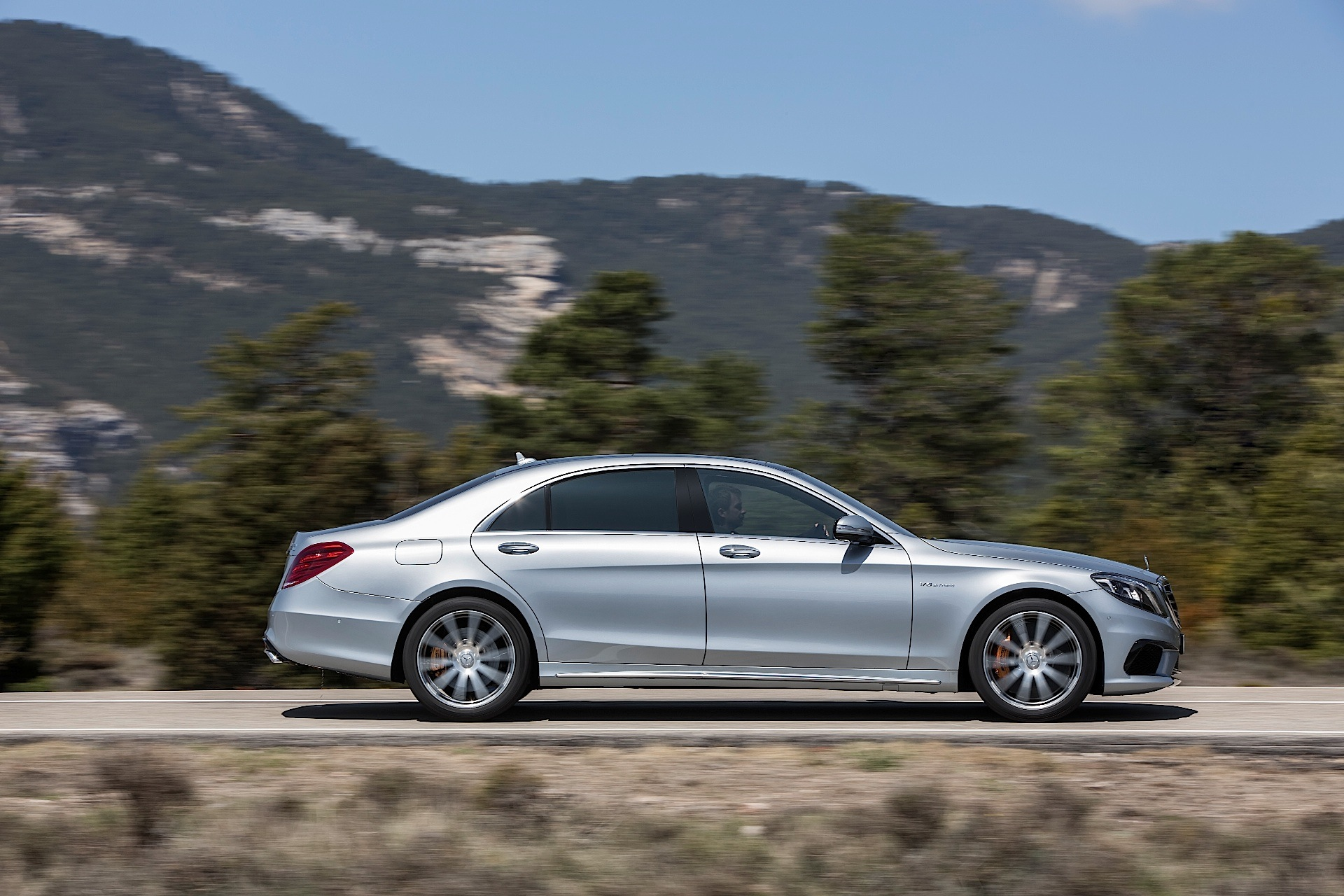 Image gallery mercedes w222 for Mercedes benz compare