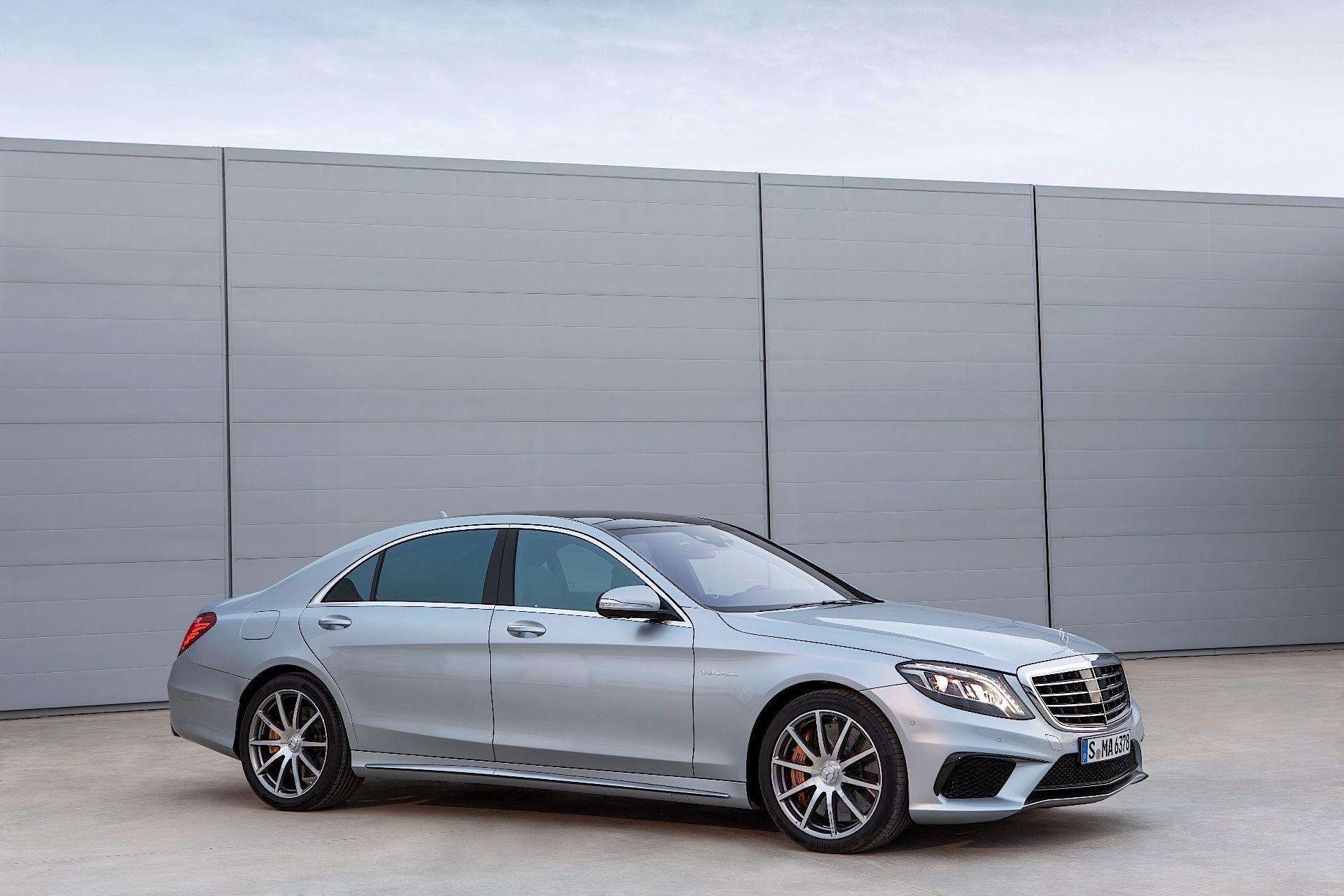 Mercedes benz s 63 amg w222 specs 2013 2014 2015 for Mercedes benz s class s63 amg
