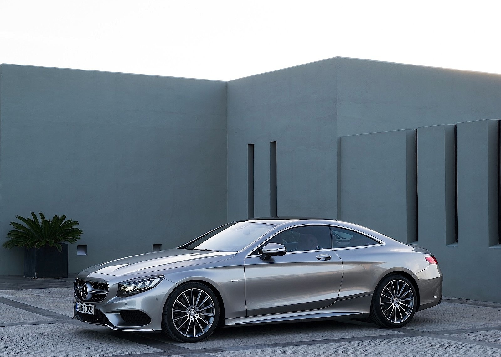 mercedes benz s 63 amg coupe c217 specs 2014 2015. Black Bedroom Furniture Sets. Home Design Ideas