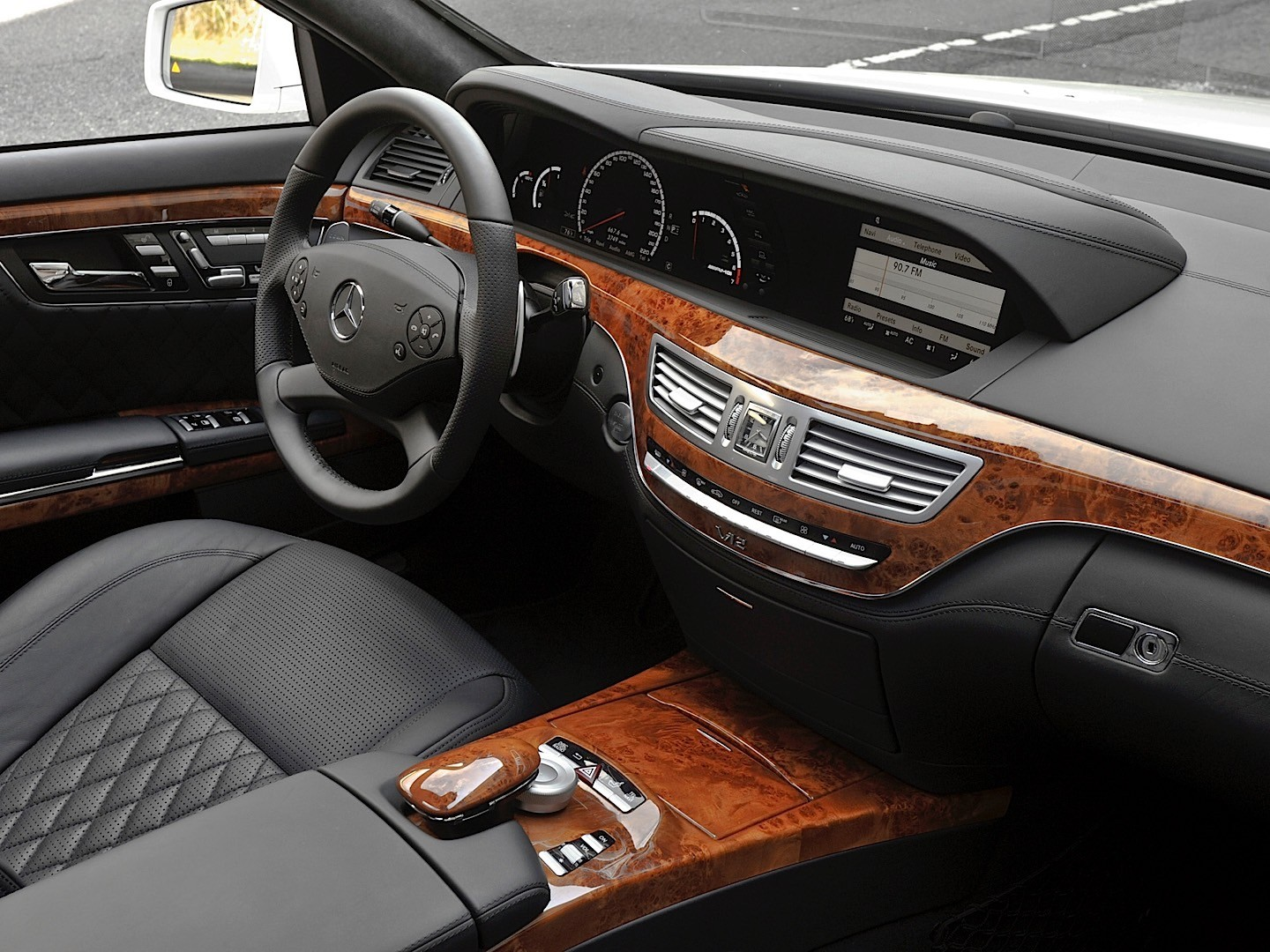 MERCEDES BENZ S 65 AMG (W221) specs & photos - 2009, 2010 ...