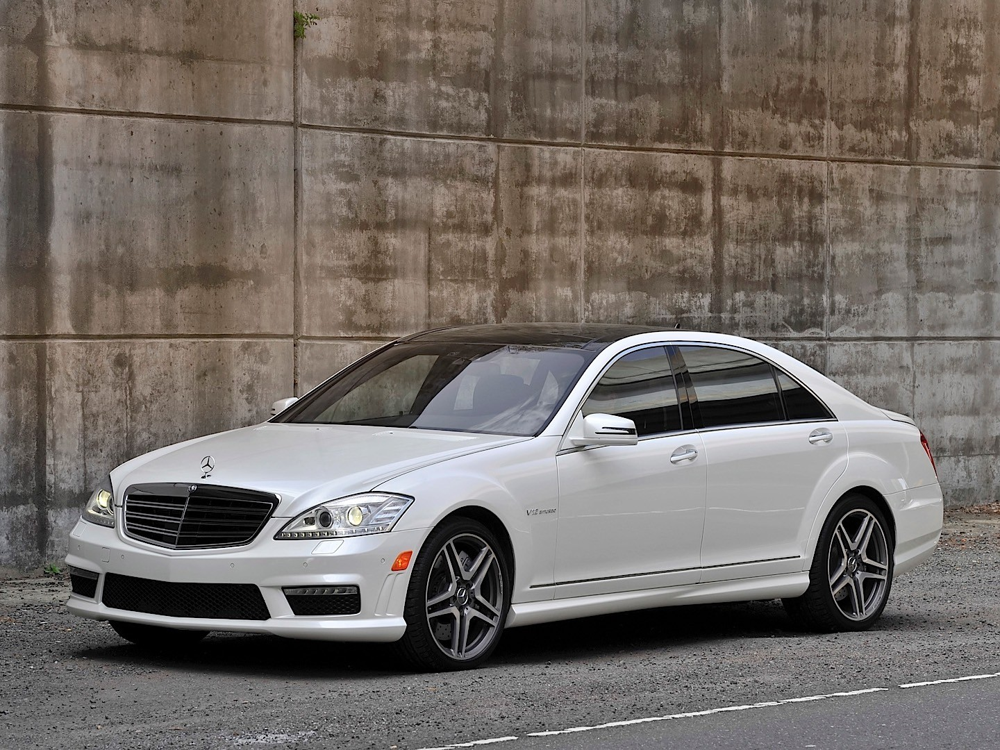 Mercedes benz s 65 amg w221 specs 2009 2010 2011 for Mercedes benz s 65