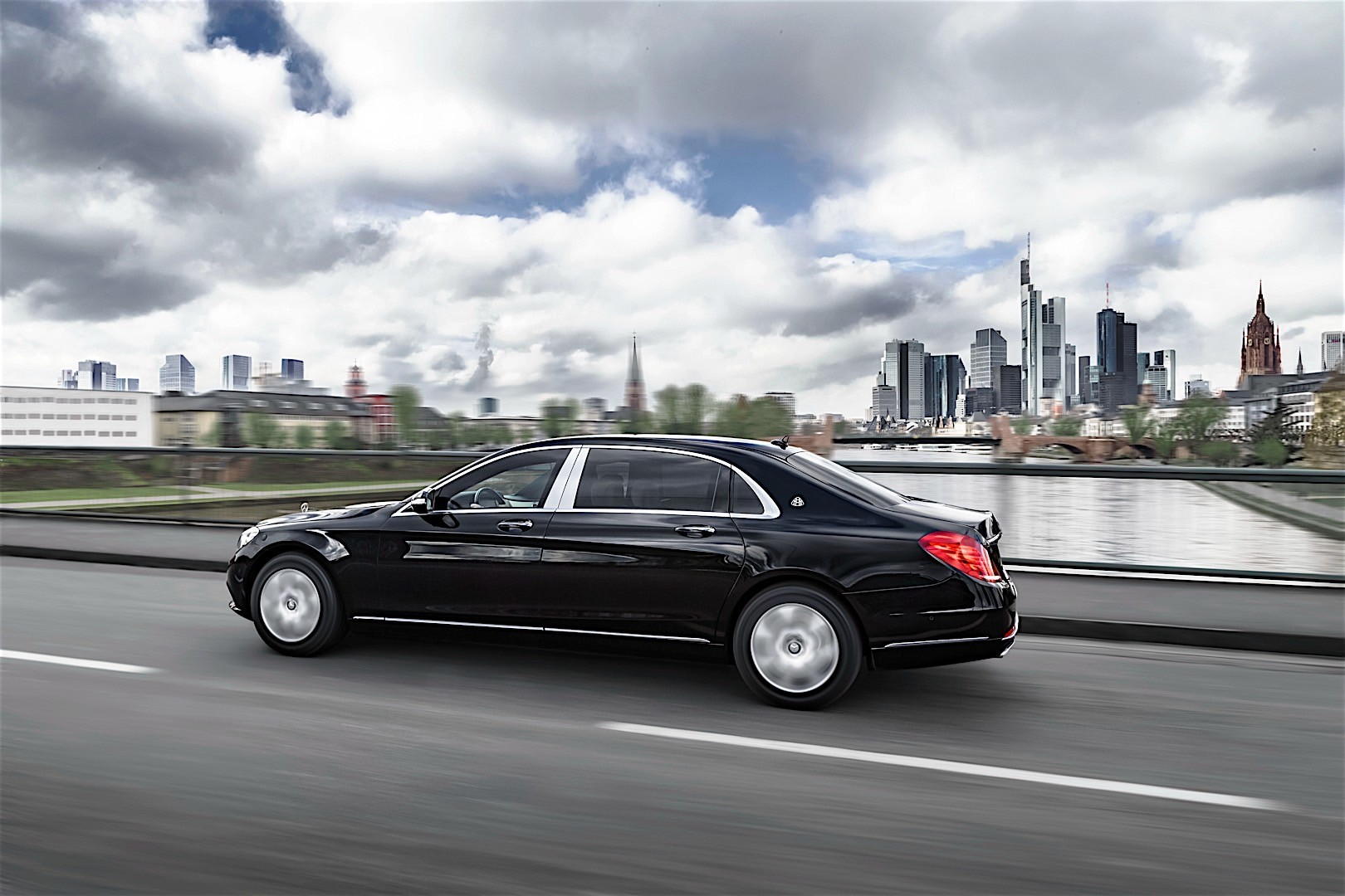 Mercedes benz s class maybach x222 specs 2015 2016 for Mercedes benz maybach