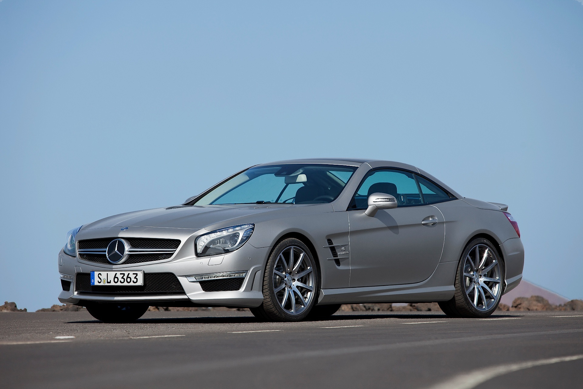 mercedes benz sl 63 amg r231 specs 2012 2013 2014 2015 2016 autoevolution. Black Bedroom Furniture Sets. Home Design Ideas