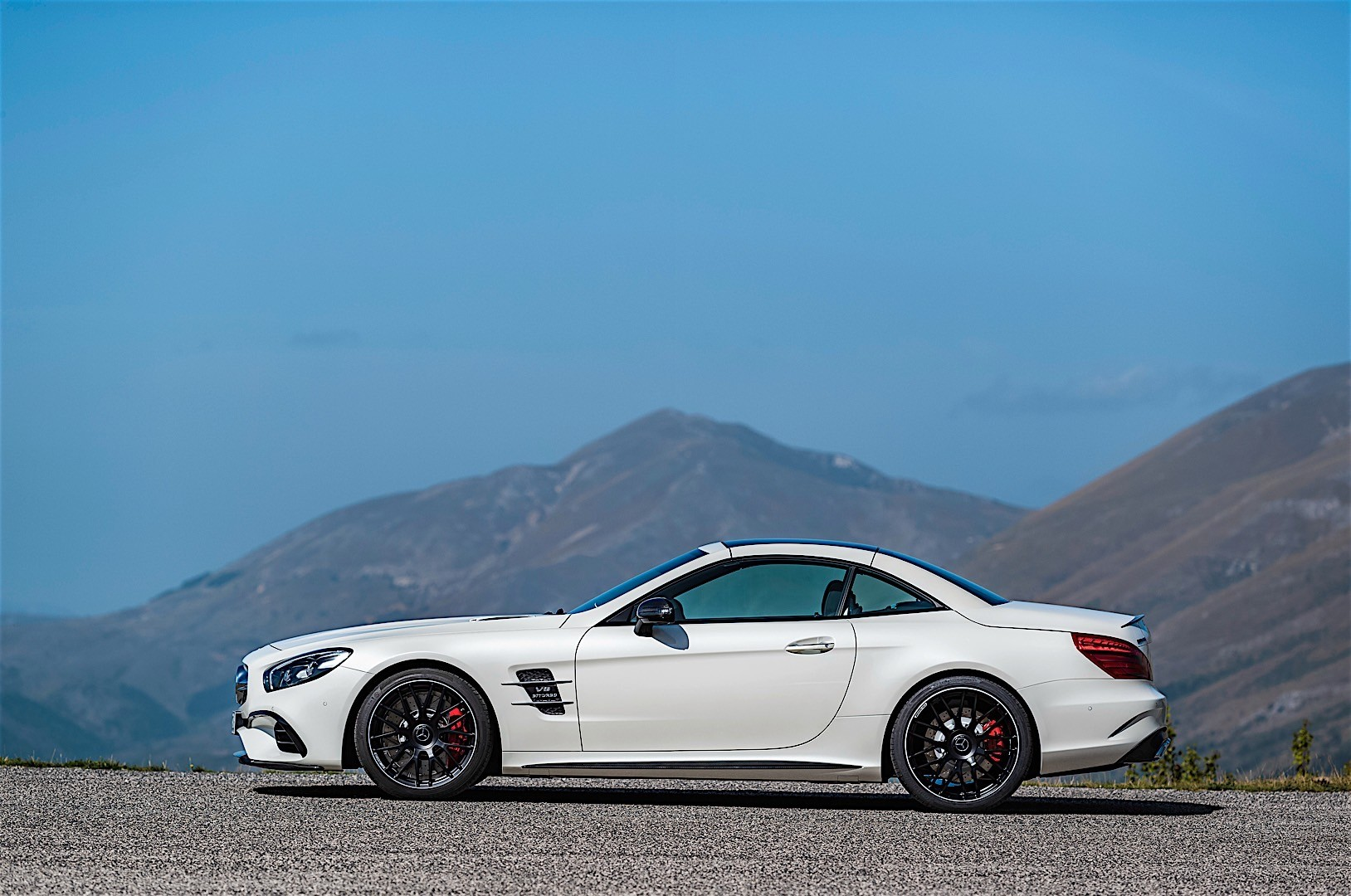 MERCEDES BENZ SL 63 AMG (R231) specs & photos - 2016, 2017 ...
