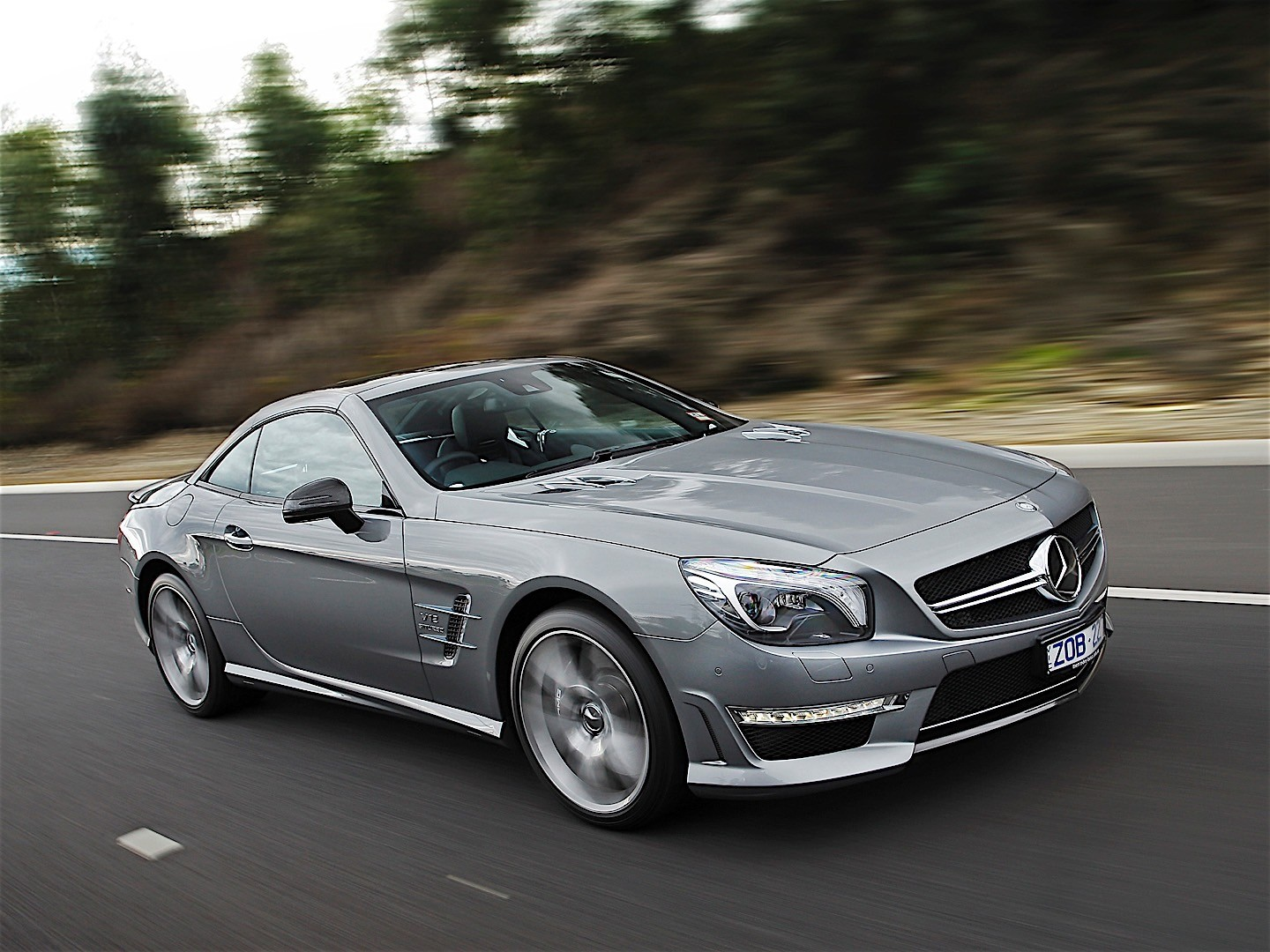 Mercedes benz sl 65 amg r231 specs 2012 2013 2014 for Mercedes benz car picture gallery