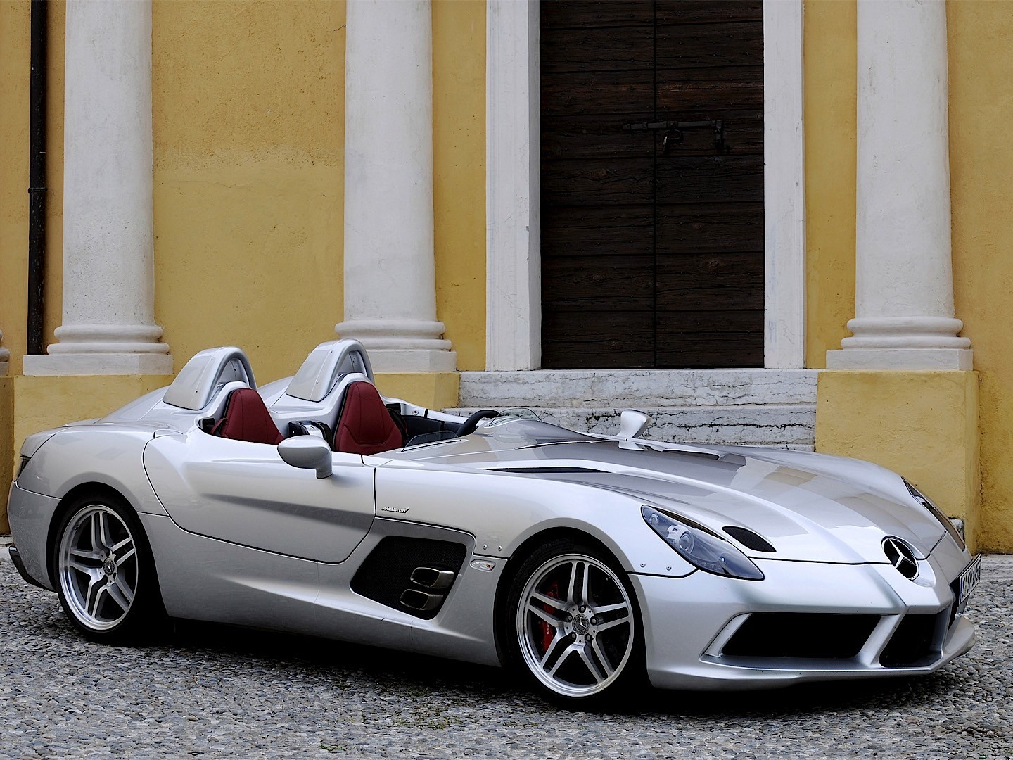 mercedes benz slr stirling moss specs photos 2009. Black Bedroom Furniture Sets. Home Design Ideas