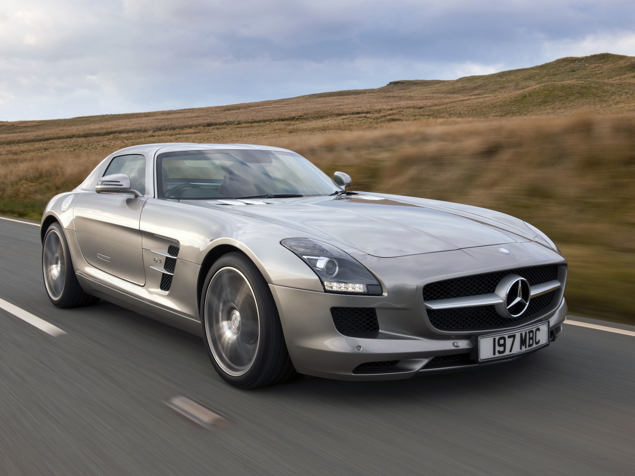 mercedes benz sls amg gt specs 2012 2013 2014 autoevolution. Black Bedroom Furniture Sets. Home Design Ideas