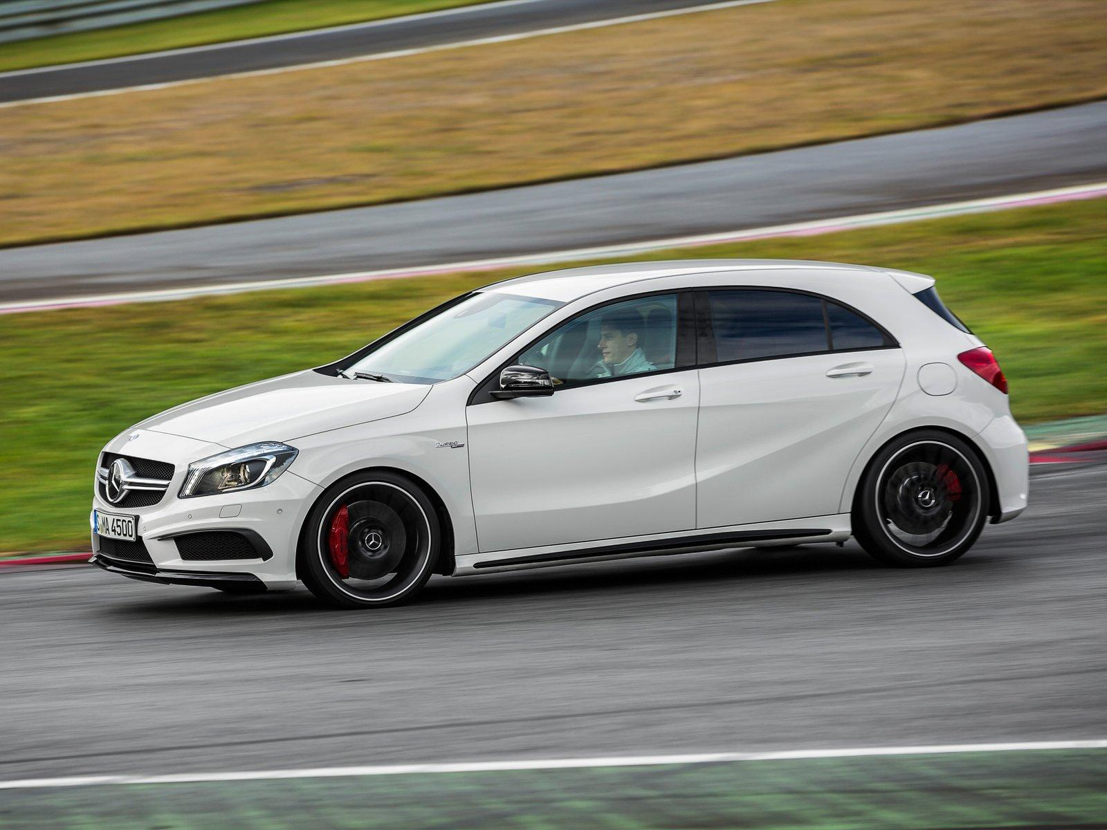 mercedes benz a45 amg 2013 2014 2015 autoevolution. Black Bedroom Furniture Sets. Home Design Ideas