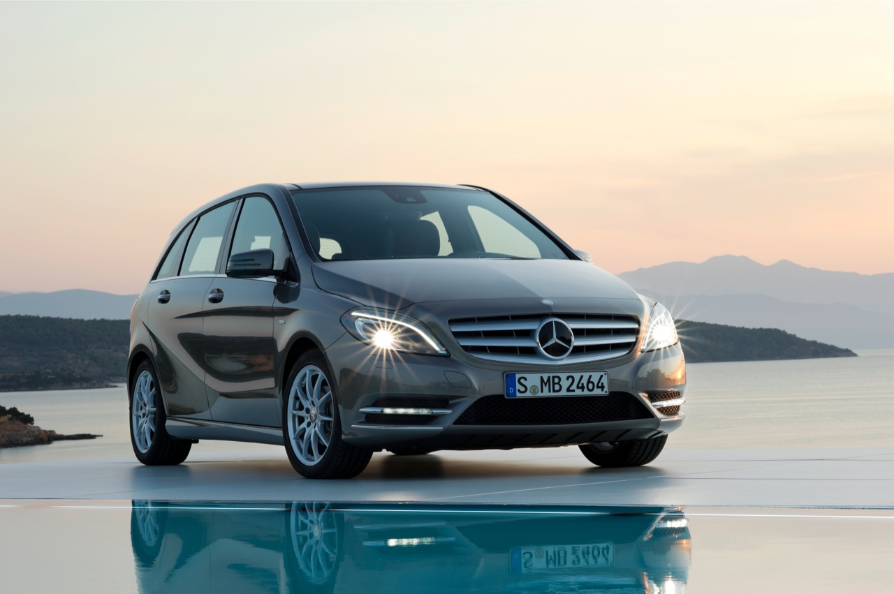 mercedes benz b klasse w246 specs 2012 2013 2014 autoevolution. Black Bedroom Furniture Sets. Home Design Ideas