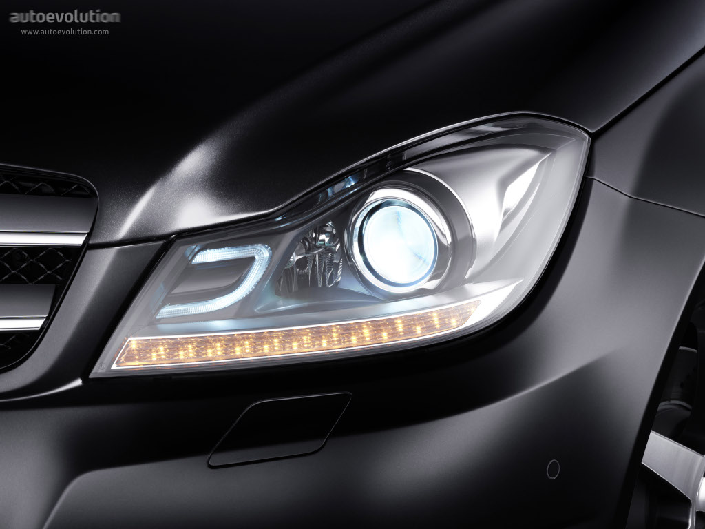 Mercedes benz c klasse coupe c204 2011 2012 2013 for Mercedes benz headlight