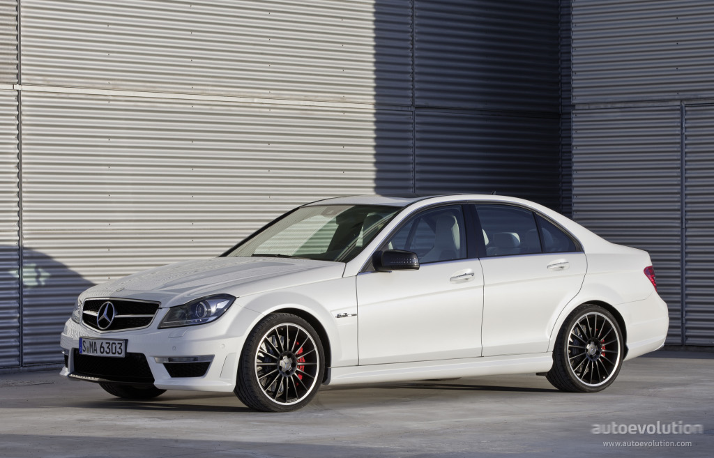mercedes benz c 63 amg w204 2011 2012 2013 2014 autoevolution. Black Bedroom Furniture Sets. Home Design Ideas