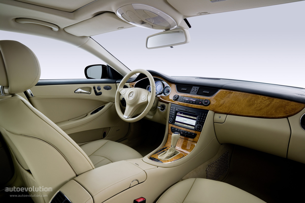 Image gallery 2008 cls interior for 2008 mercedes benz cls 550 reviews