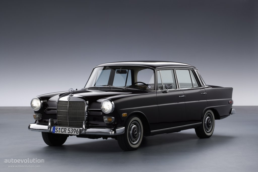 Mercedes benz e klasse kleine heckflosse w110 1961 for 1961 mercedes benz