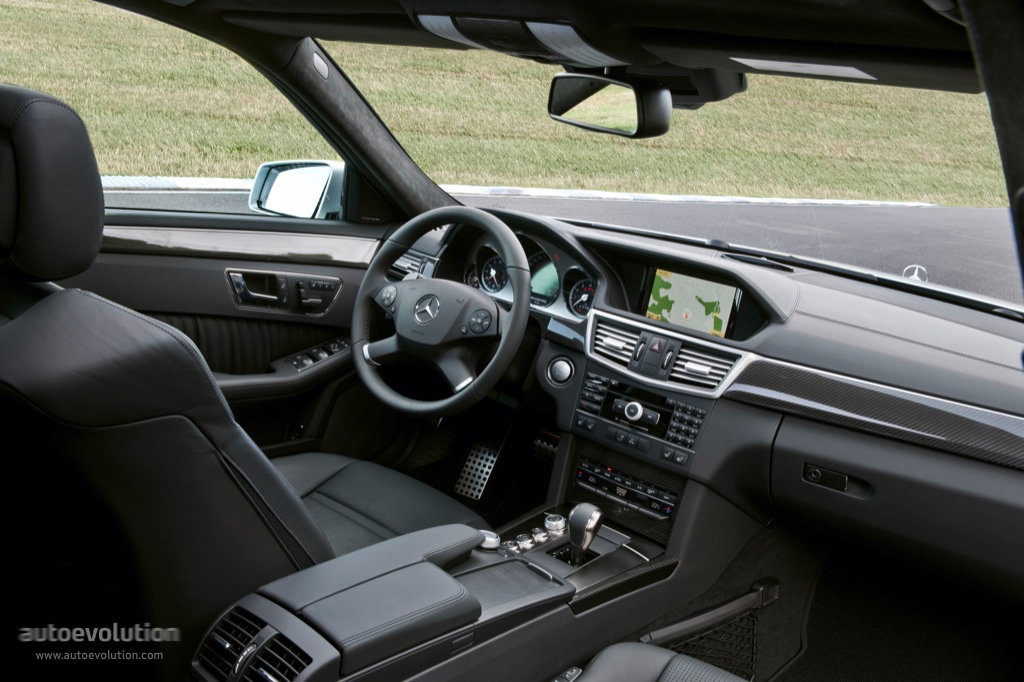 Mercedes Benz E 63 Amg T Modell S212 Specs Amp Photos