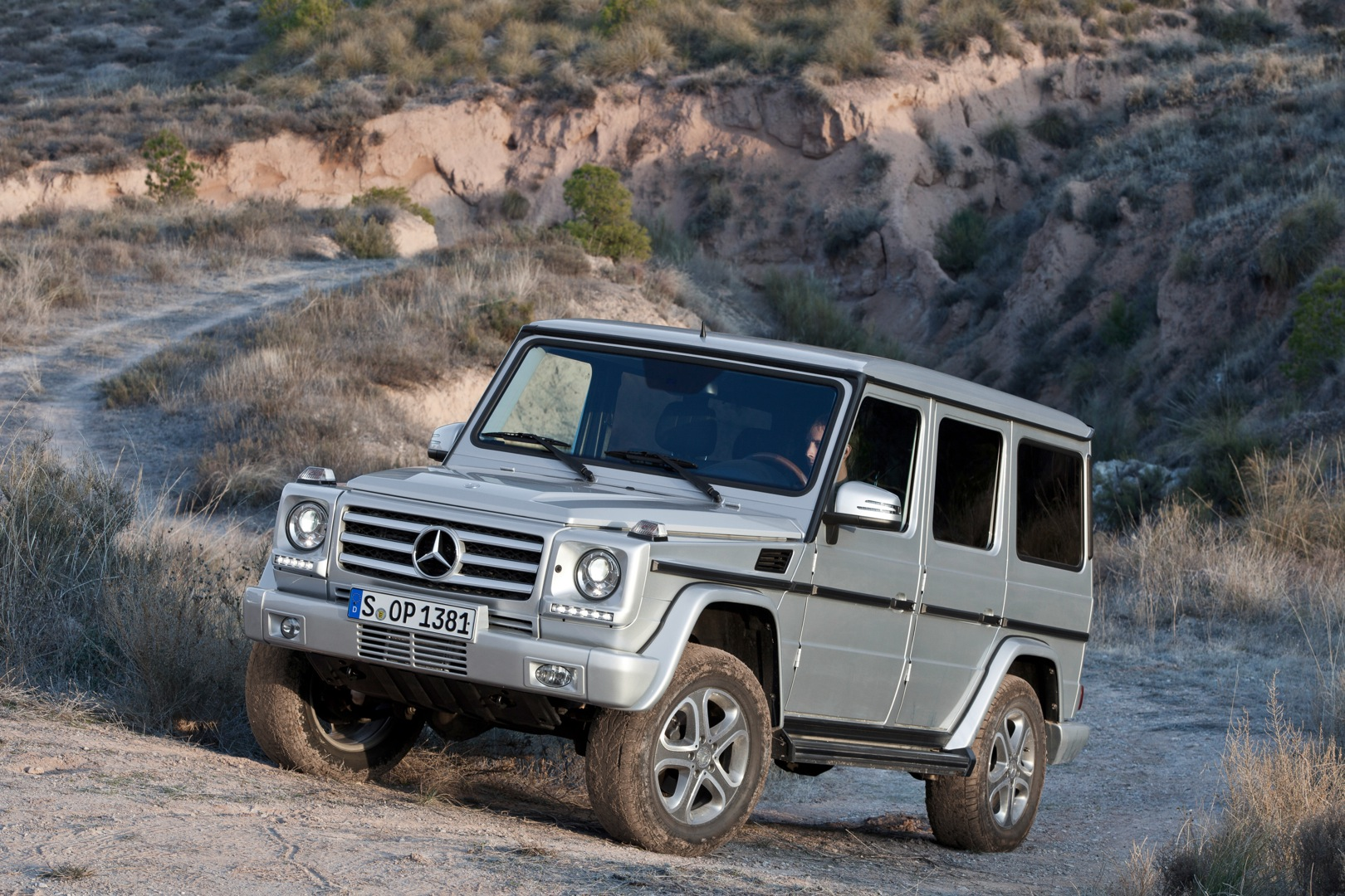 mercedes benz g klasse w463 specs 2012 2013 2014 2015 2016 2017 2018 autoevolution. Black Bedroom Furniture Sets. Home Design Ideas