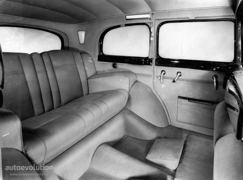 "MERCEDES BENZ ""Grosser Mercedes"" Pullman/Limousine (W07 ..."