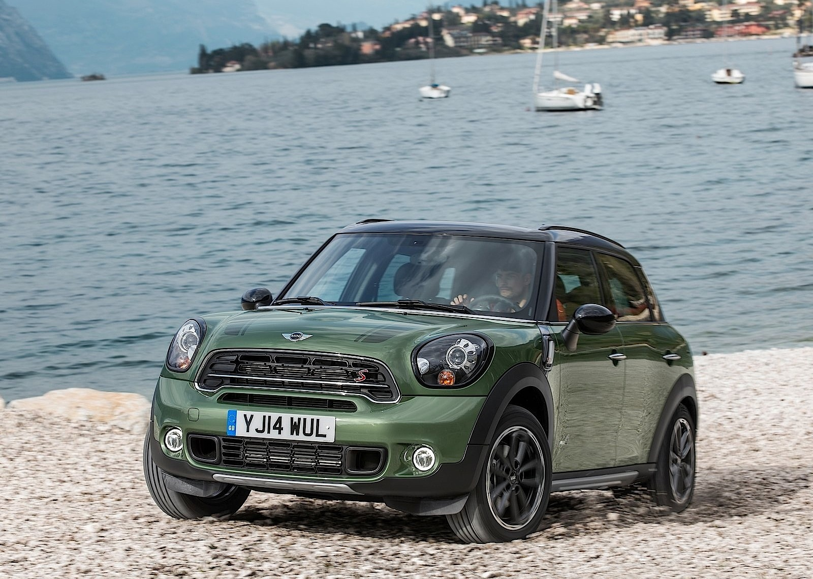 mini countryman specs 2014 2015 2016 2017 2018 autoevolution. Black Bedroom Furniture Sets. Home Design Ideas
