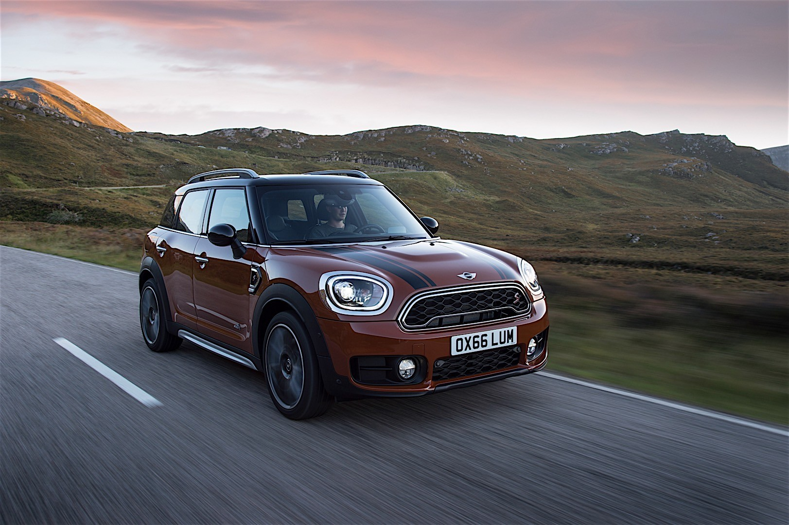 mini countryman specs 2016 2017 2018 autoevolution. Black Bedroom Furniture Sets. Home Design Ideas
