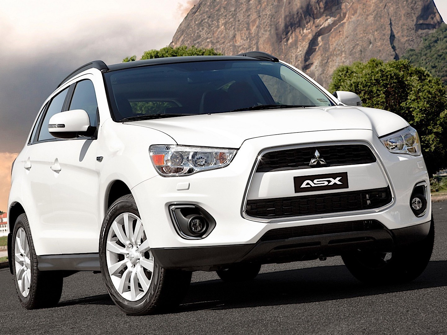 mitsubishi asx rvr outlander sport specs 2012 2013 2014 2015 2016 autoevolution. Black Bedroom Furniture Sets. Home Design Ideas