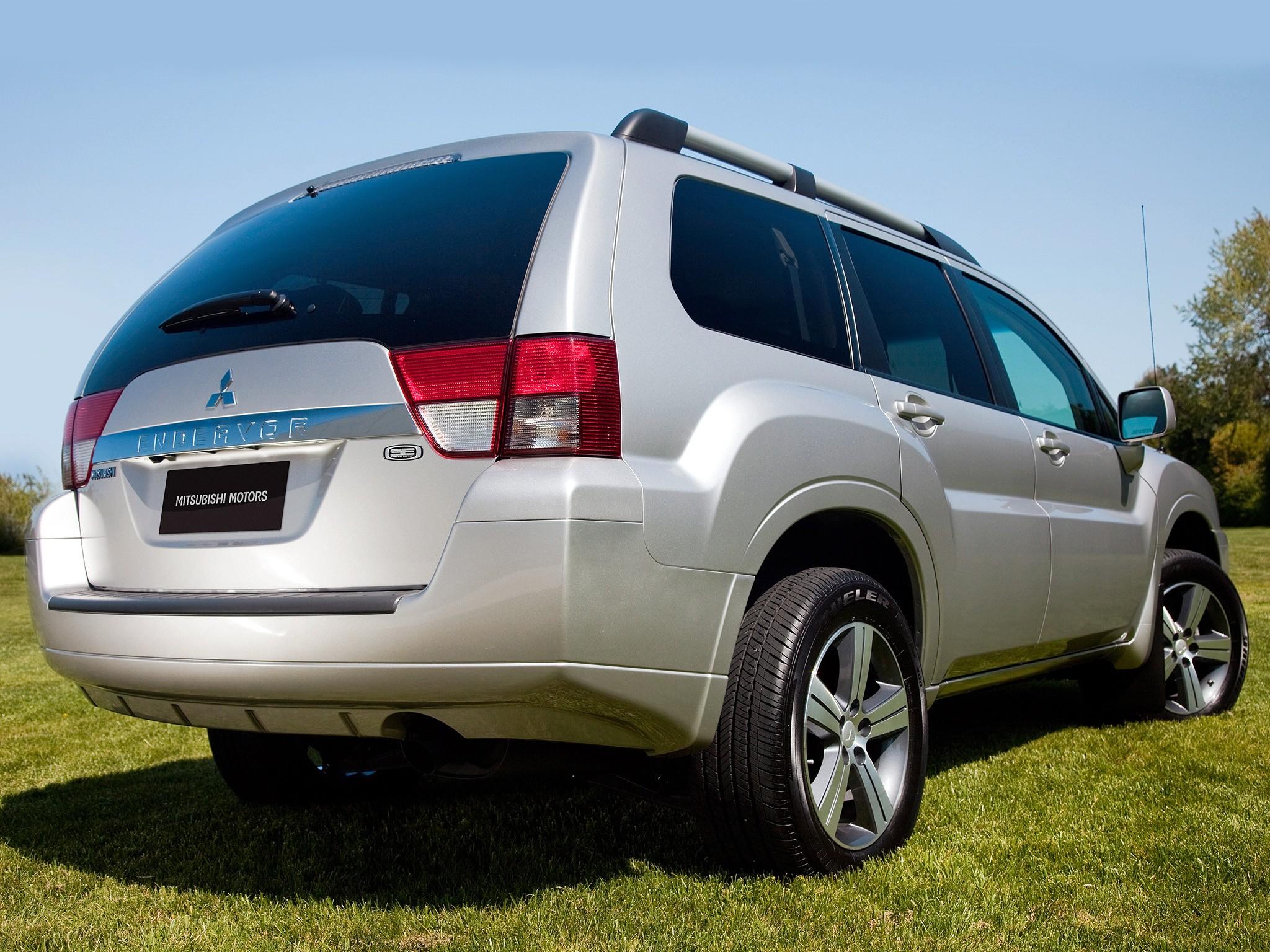 Mitsubishi Endeavor 2008 2009 2010 2011 Autoevolution