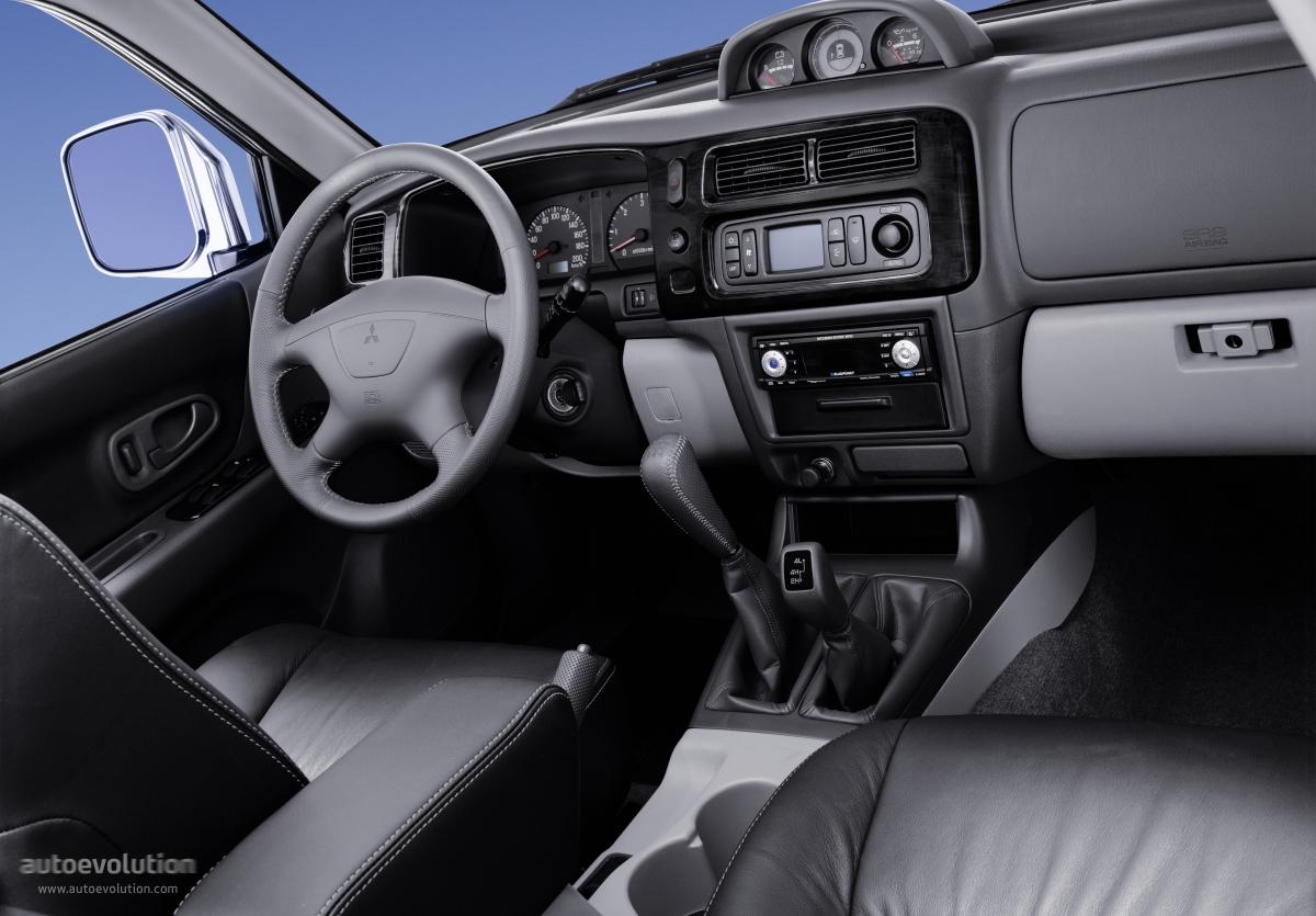 Mitsubishi Pajero Montero Shogun Sport Specs Amp Photos