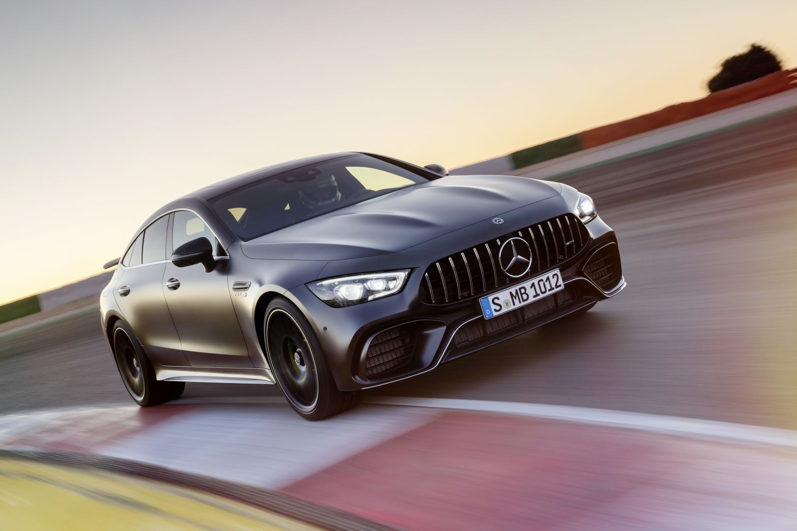 Mercedes amg gt 63 4matic x290 specs 2018 autoevolution for Mercedes benz amg gt coupe price