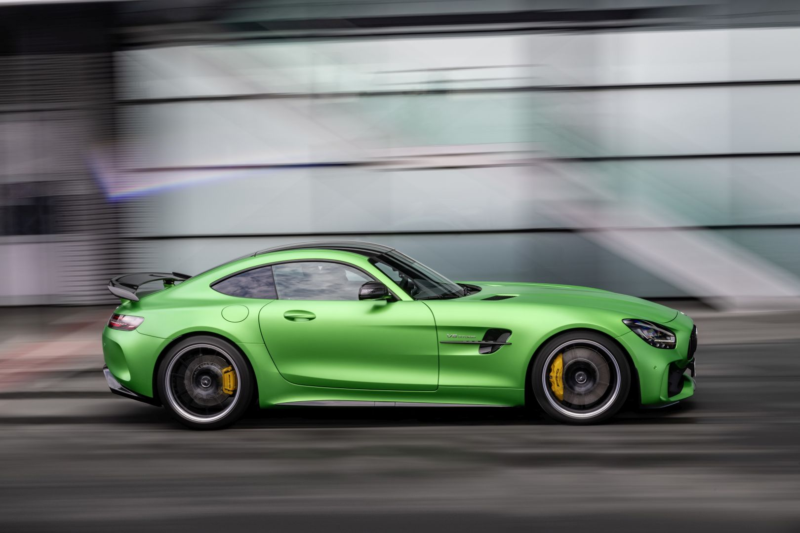 Mercedes-AMG GT R (C 190) specs & photos - 2018, 2019 ...