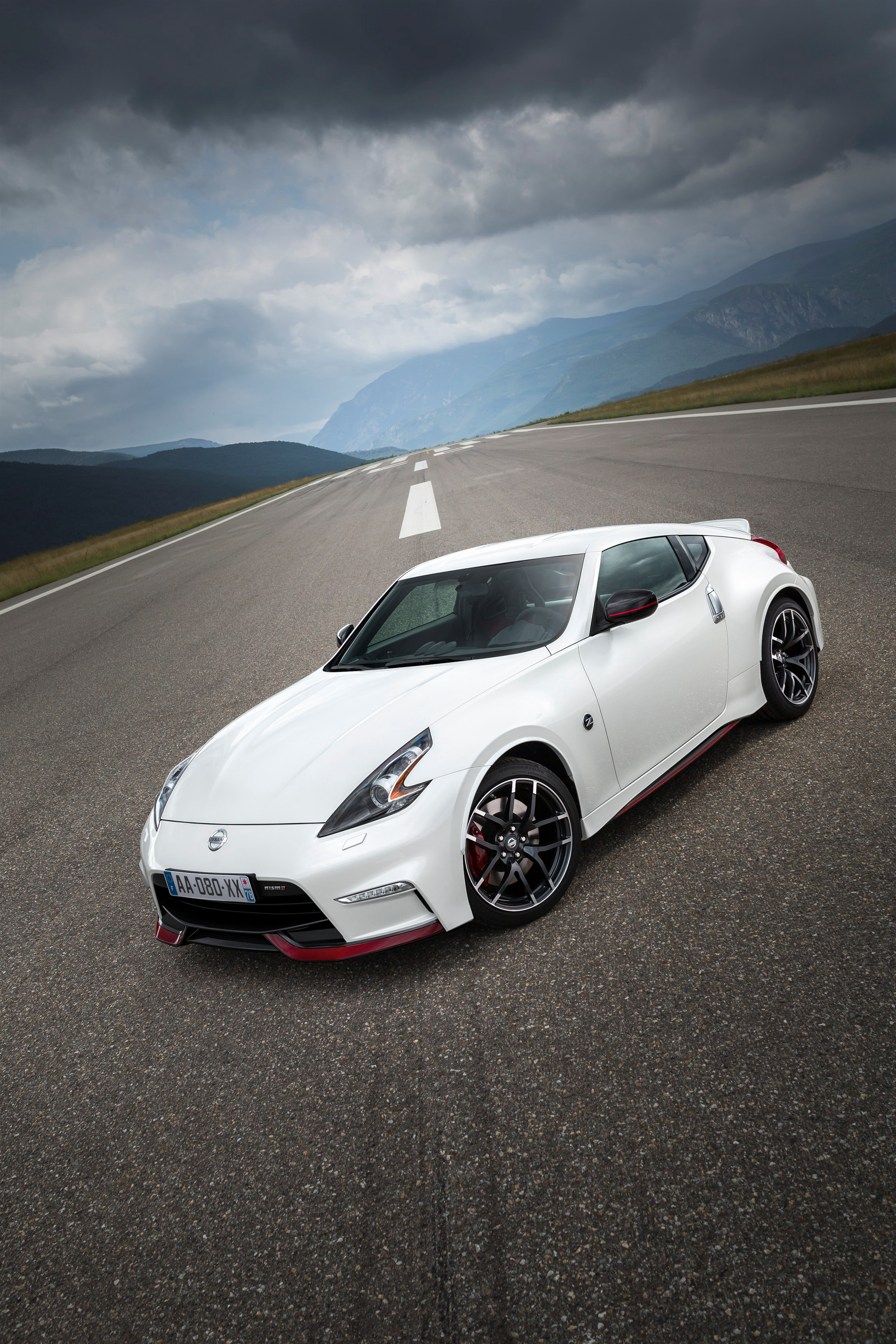 NISSAN 370z Nismo specs & photos - 2014, 2015, 2016, 2017 ...