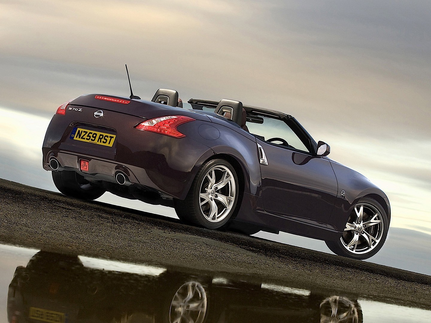 NISSAN 370Z Roadster specs & photos - 2009, 2010, 2011 ...