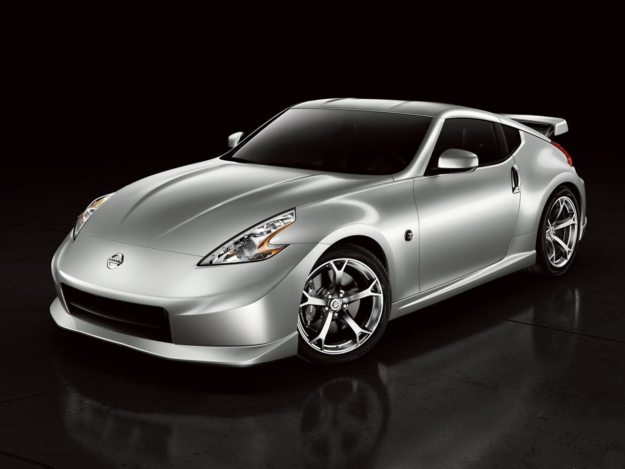 nissan 370z nismo specs photos 2009 2010 2011 2012. Black Bedroom Furniture Sets. Home Design Ideas
