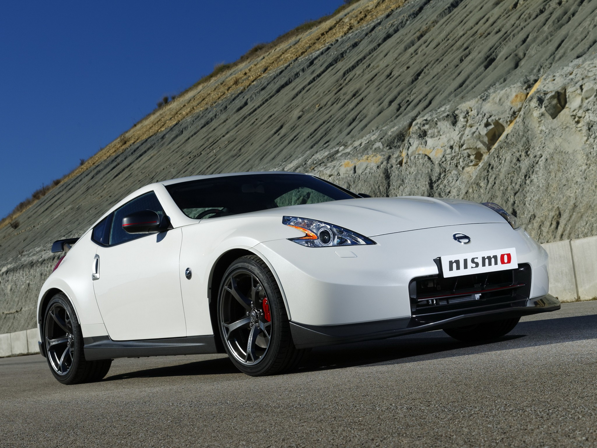 nissan 370z nismo specs photos 2013 2014 autoevolution. Black Bedroom Furniture Sets. Home Design Ideas