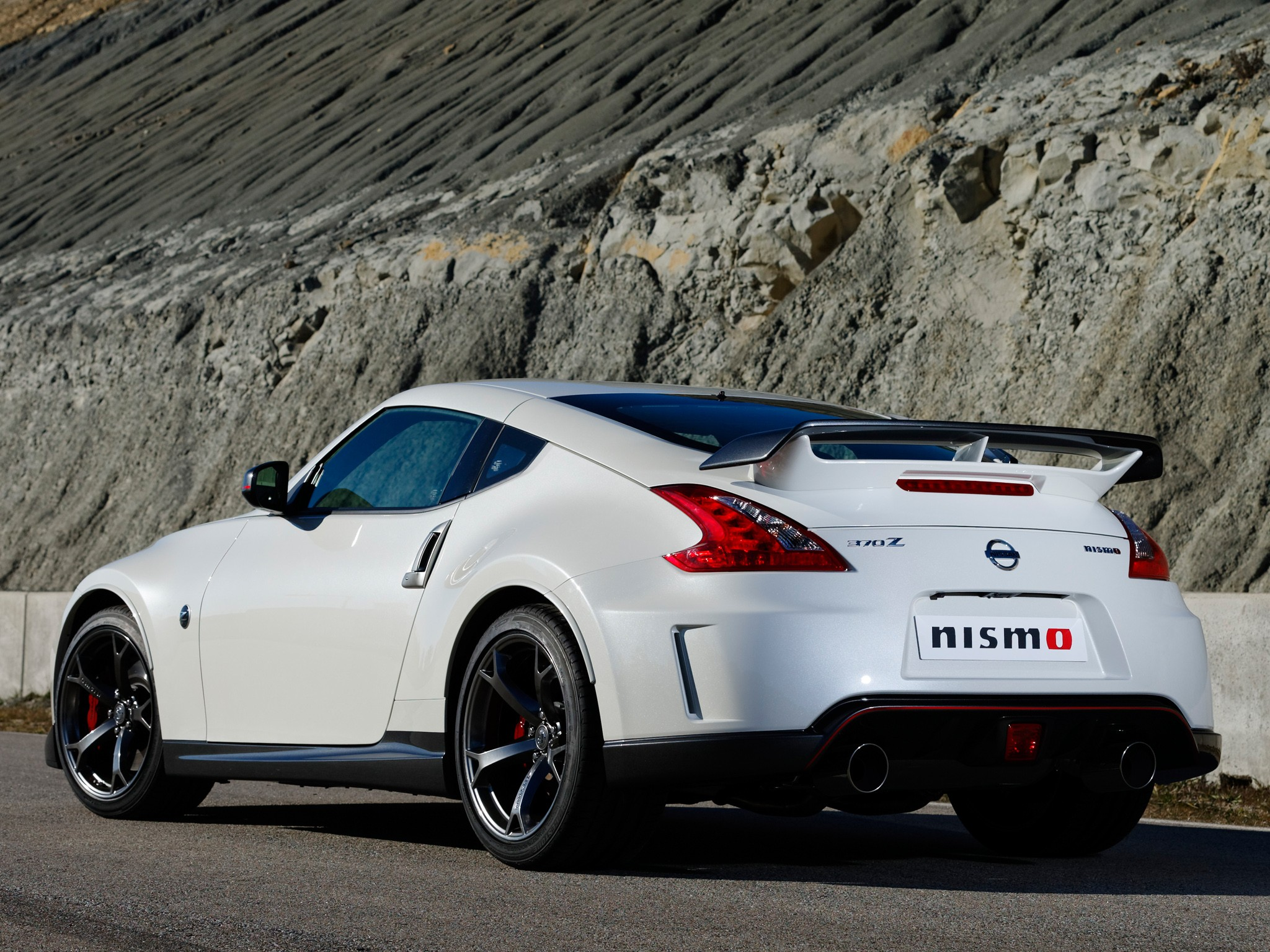 nissan 370z nismo 2013 2014 autoevolution. Black Bedroom Furniture Sets. Home Design Ideas