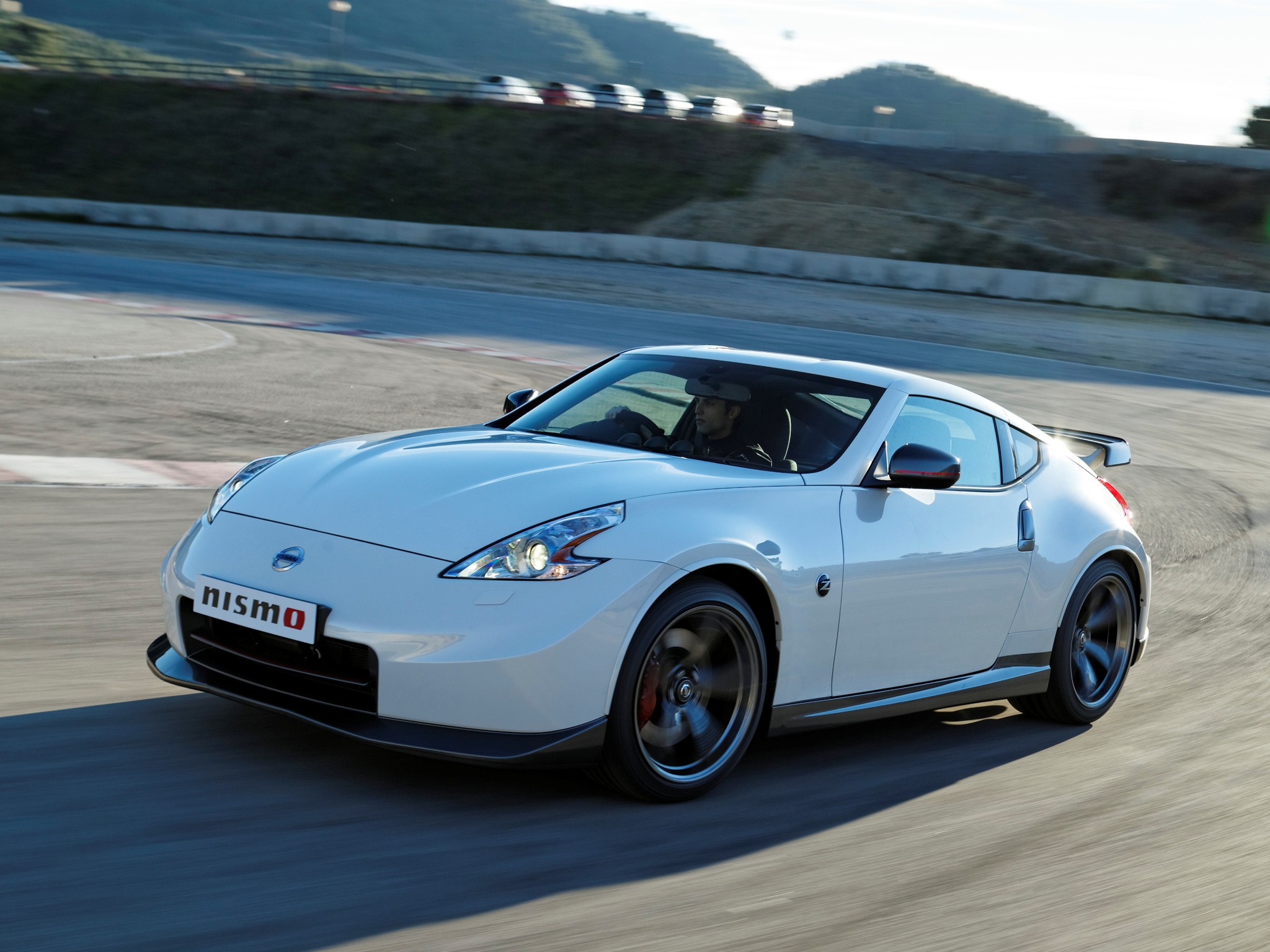 nissan 370z nismo specs 2013 2014 autoevolution. Black Bedroom Furniture Sets. Home Design Ideas