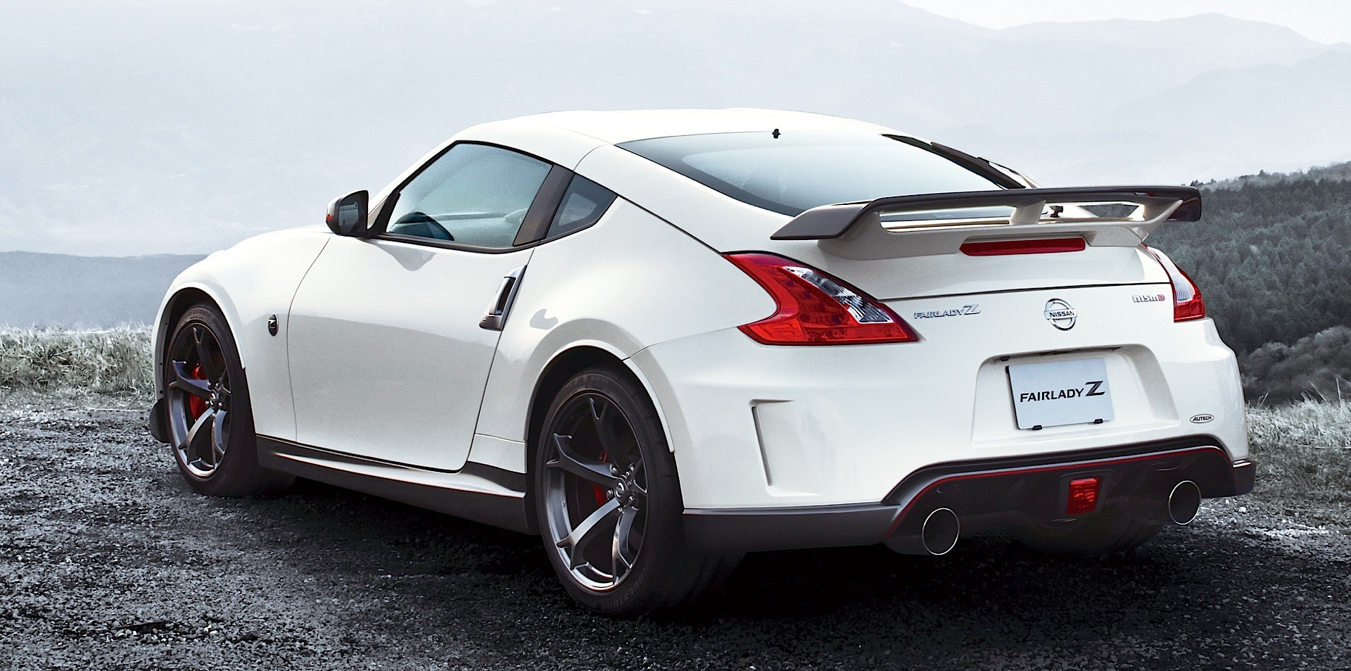 Nissan 370z Nismo Specs Photos 2013 2014 Autoevolution