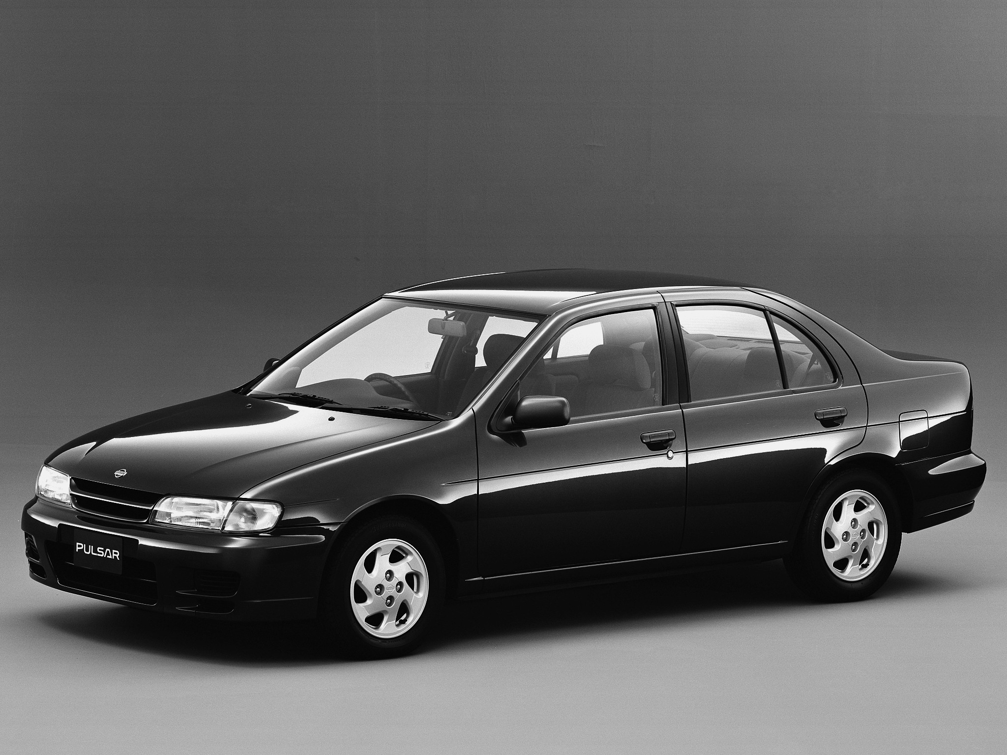 nissan almera pulsar 4 doors specs photos 1995 1996 1997 1998 1999 2000 autoevolution. Black Bedroom Furniture Sets. Home Design Ideas