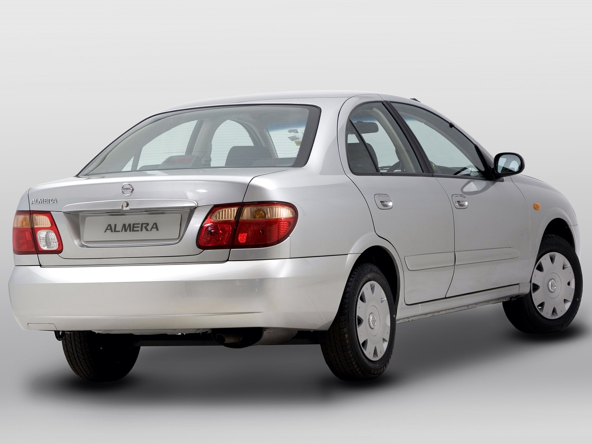 Nissan Almera Pulsar 4 Doors Specs Amp Photos 2000 2001