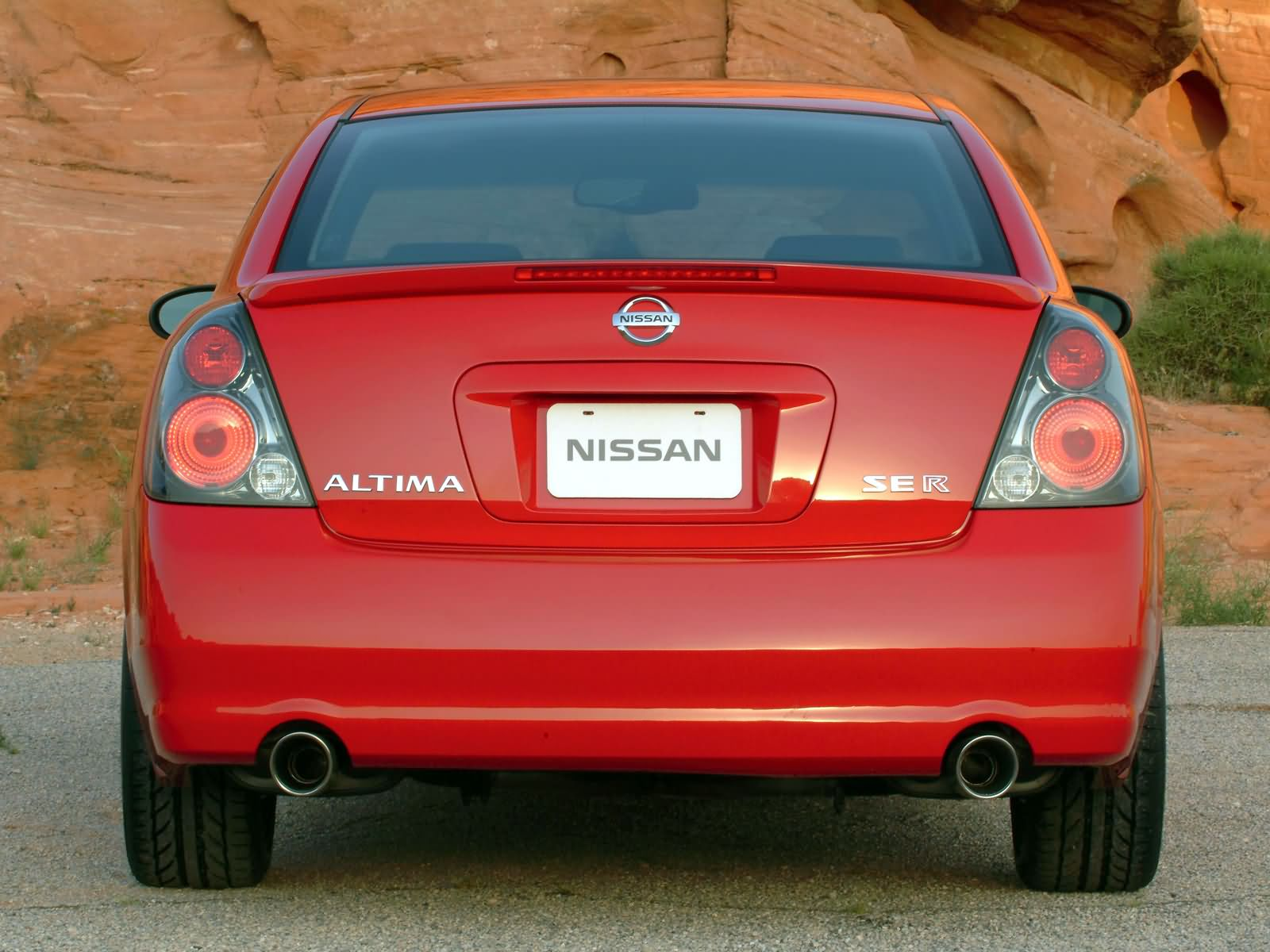 Nissan Altima Specs Amp Photos 2002 2003 2004 2005