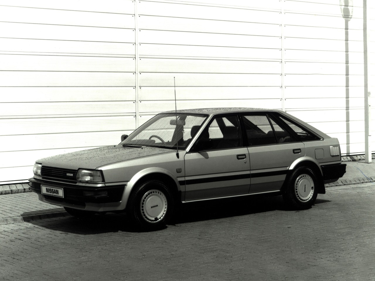 Nissan Bluebird Hatchback Specs  U0026 Photos