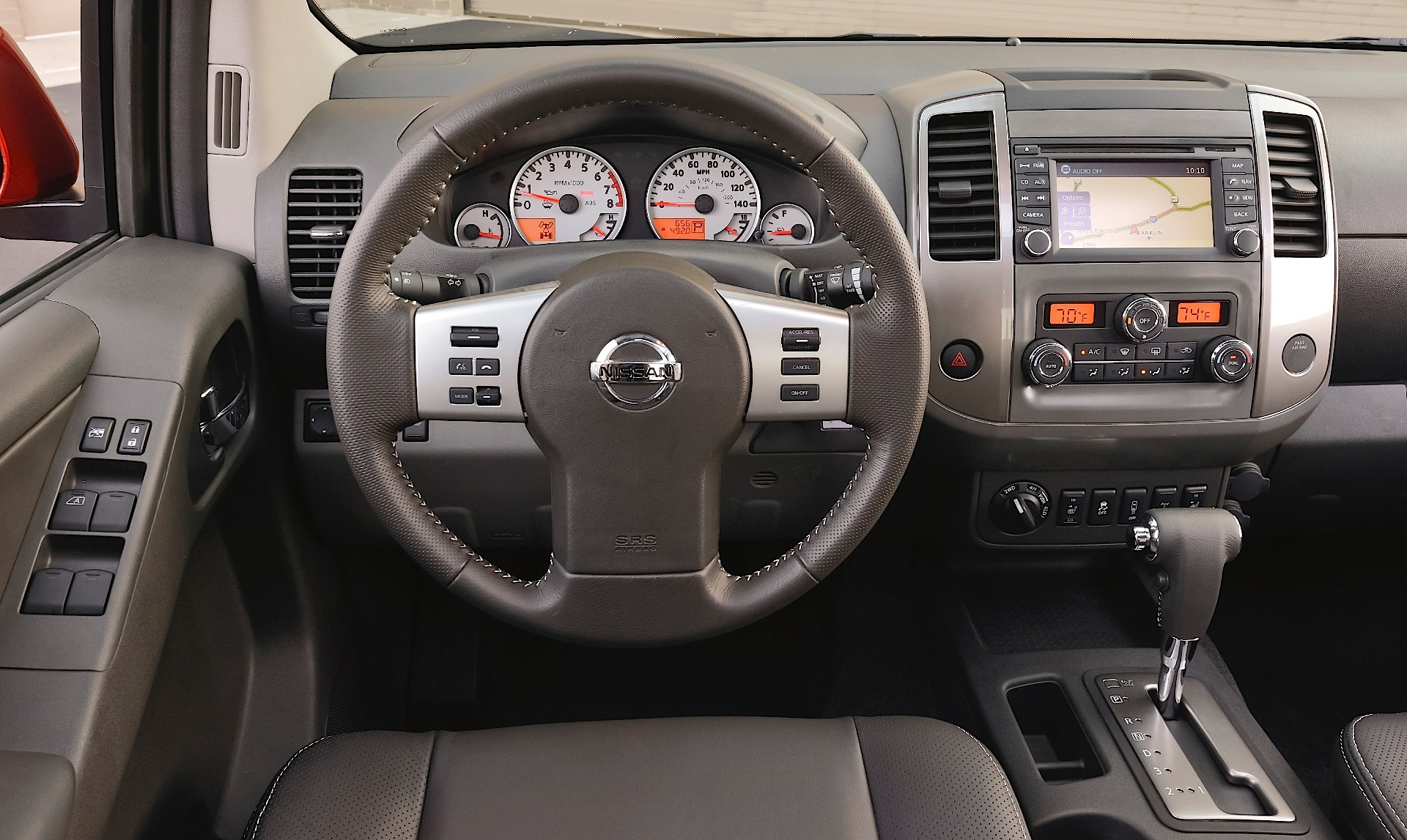 2010 Nissan Frontier Se 4X4 hd image