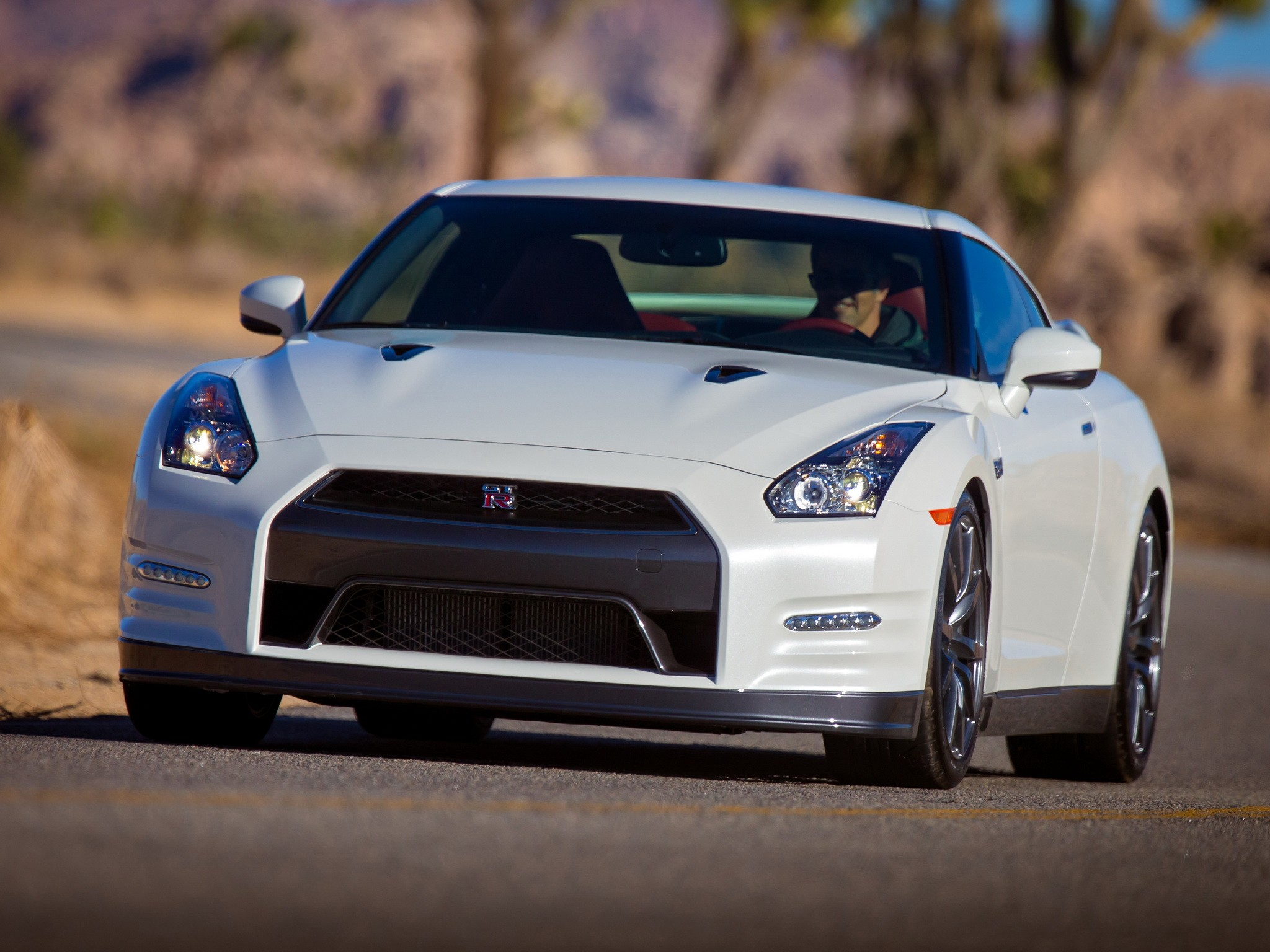 nissan gt r r35 facelift specs photos 2011 2012 2013 2014 2015 2016 autoevolution. Black Bedroom Furniture Sets. Home Design Ideas