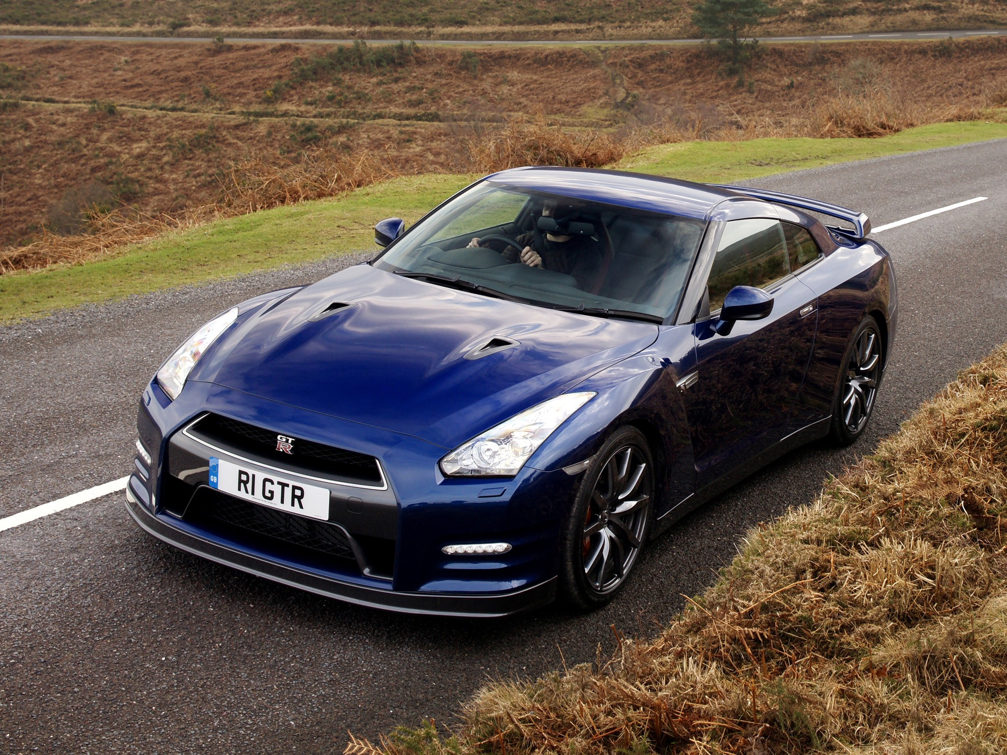 nissan gt r r35 facelift specs photos 2011 2012. Black Bedroom Furniture Sets. Home Design Ideas