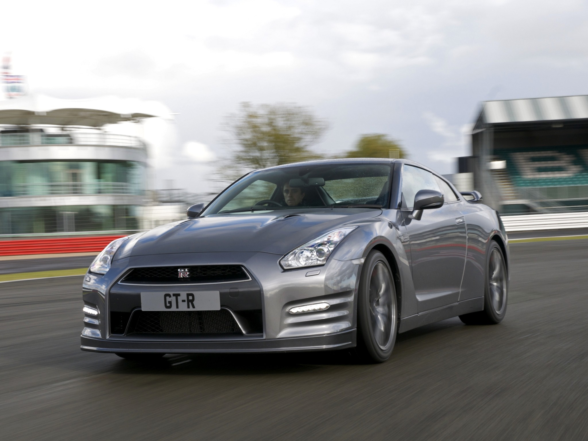 nissan gt r r35 facelift specs 2011 2012 2013 2014 2015 2016 autoevolution. Black Bedroom Furniture Sets. Home Design Ideas